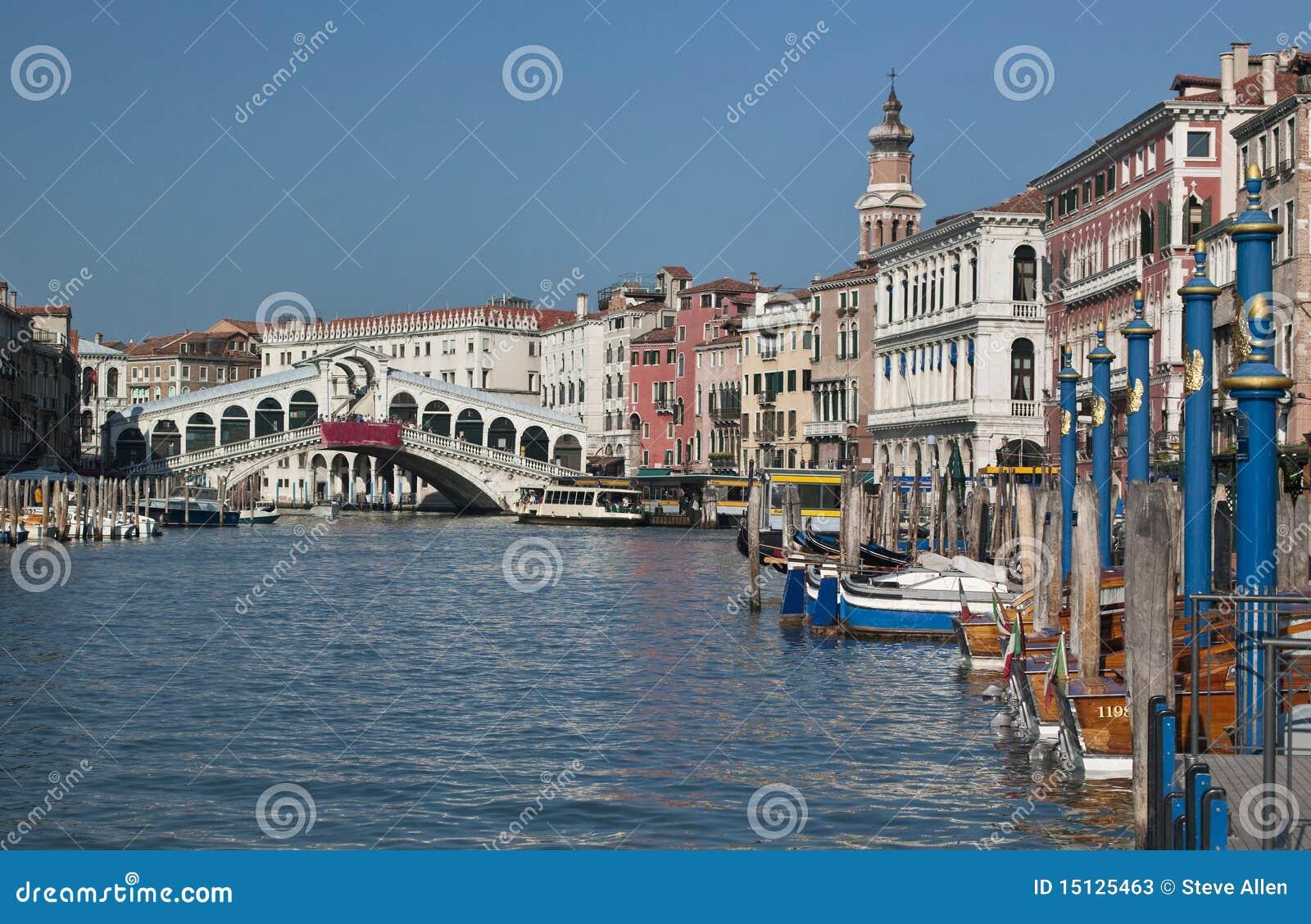 Passerelle de Rialto - canal grand - Venise - l Italie