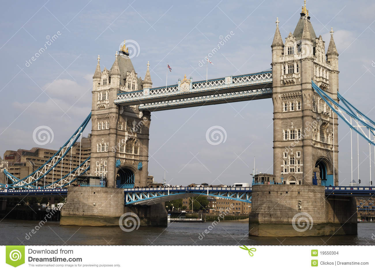 passerelle de tour londres l 39 angleterre images stock image 19550304. Black Bedroom Furniture Sets. Home Design Ideas