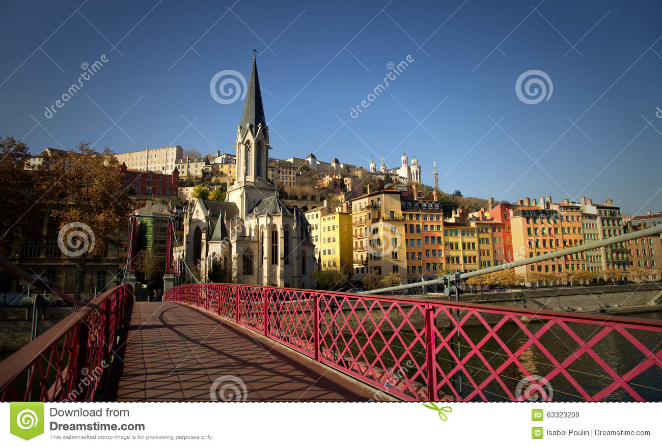 Passerelle rosso pedonale St-Georges a Lione