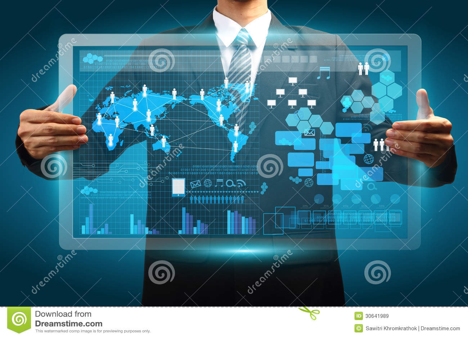 Passi la tenuta del concetto vurtual digitale di affari della tecnologia dello schermo