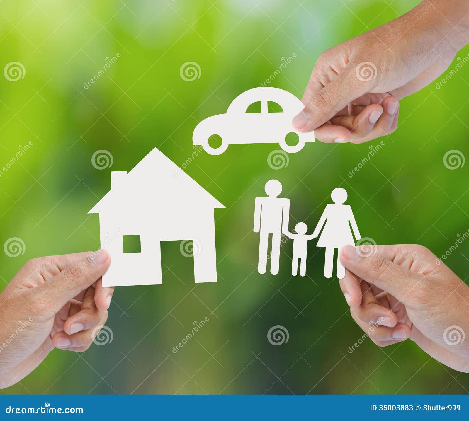 Passi a tenuta la casa di carta, l automobile, famiglia su fondo verde