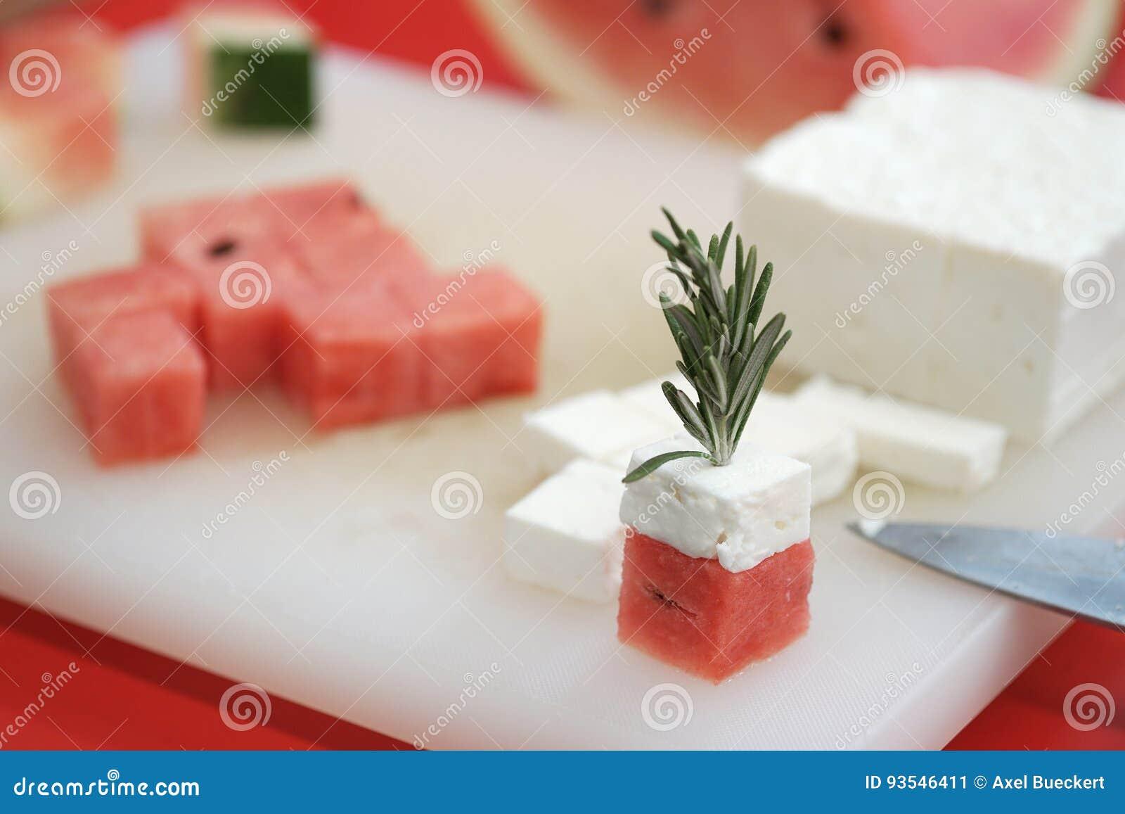 Pastèque et cubes en feta