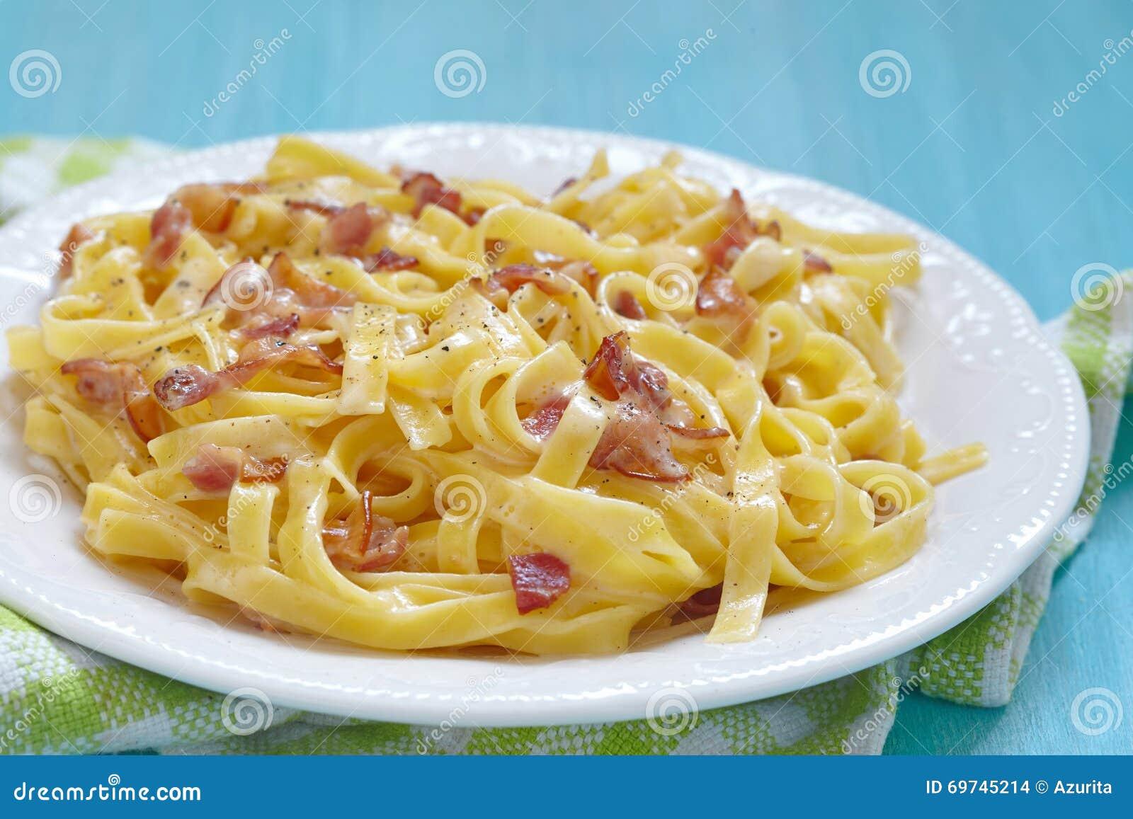 pastasås bacon ost