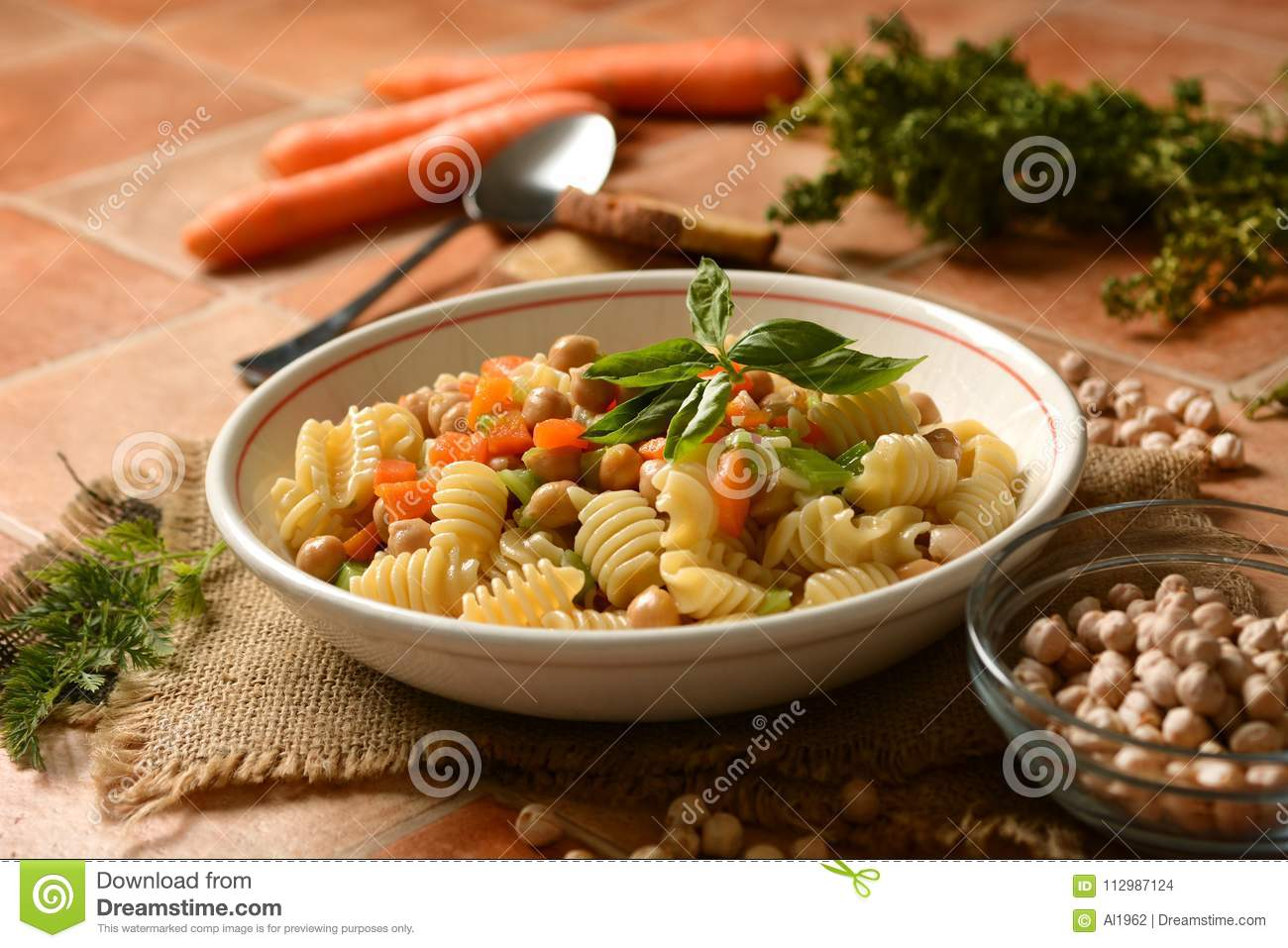 Pasta with chickpeas, carrots and celery