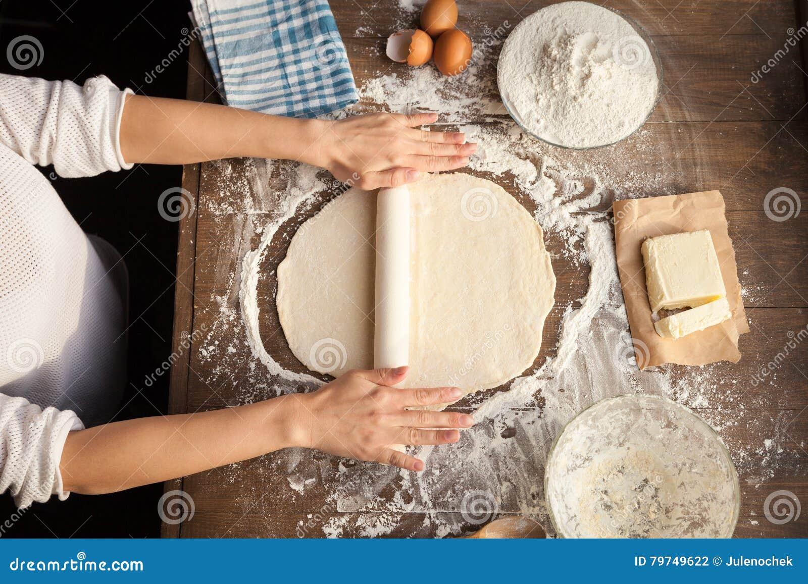 Pasta de cocinar femenina