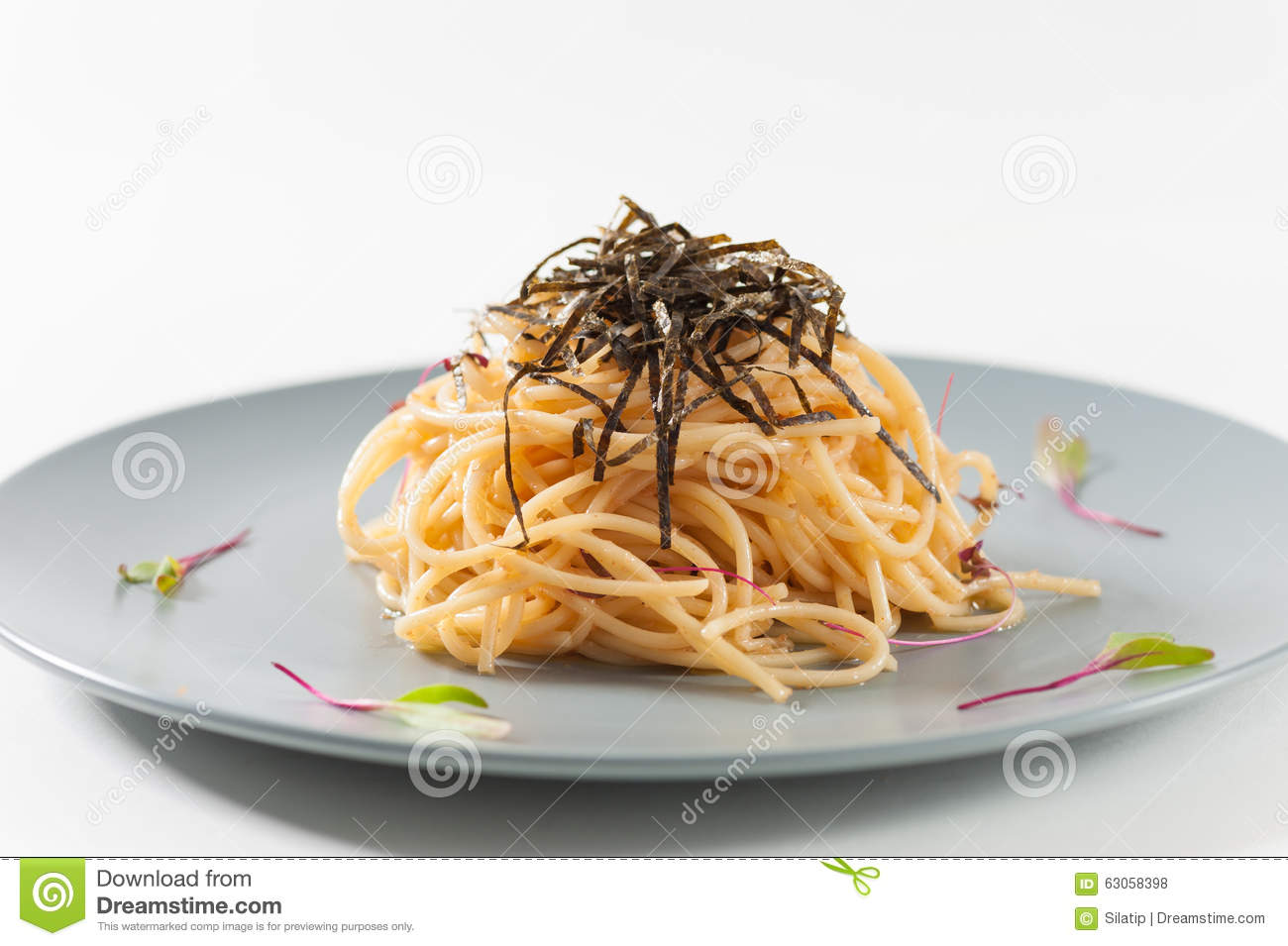 Pasta with Mentaiko (Cod fish's roe) sauce, Japanese food in European ...