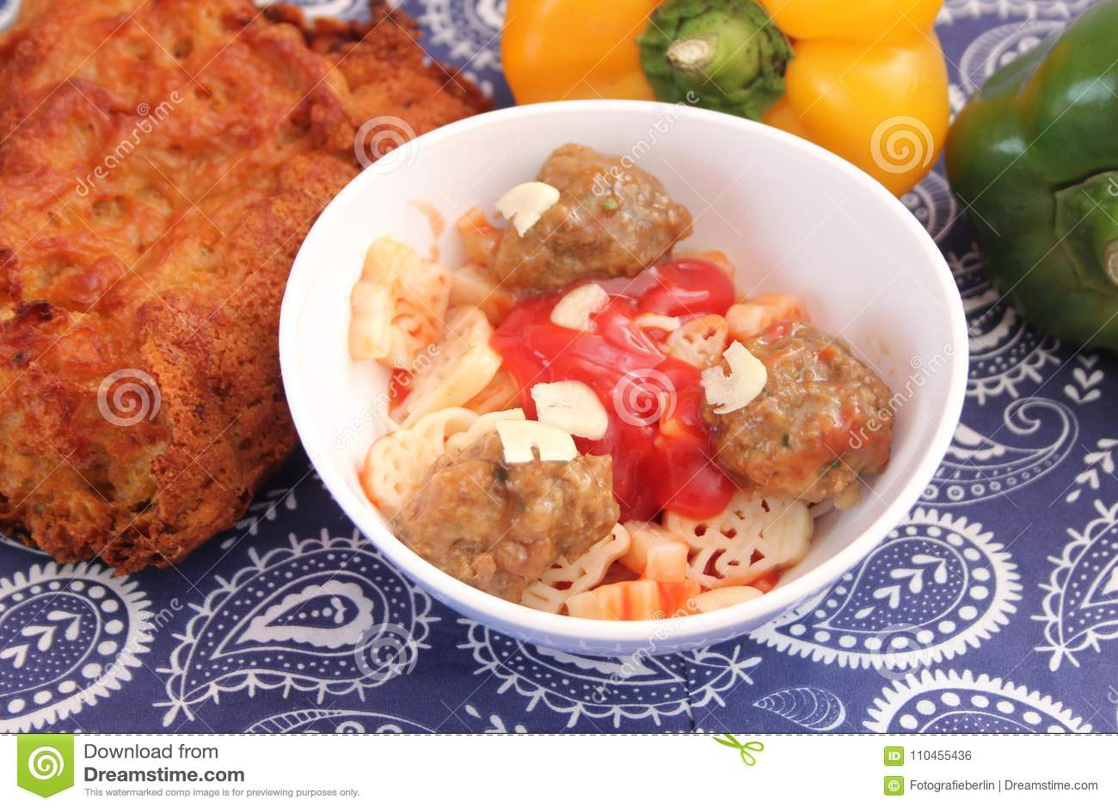 Pasta med meatballs