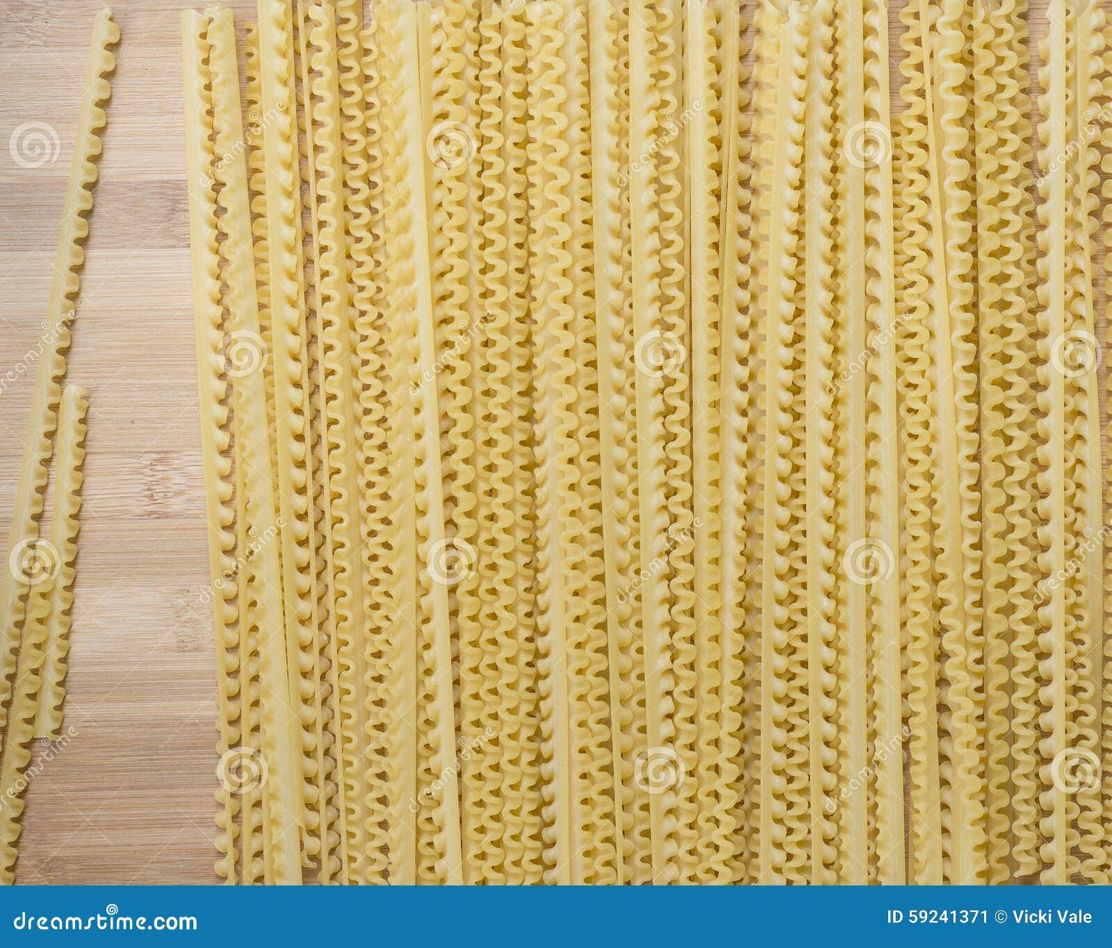 Pastas de las longitudes en el tablero de madera