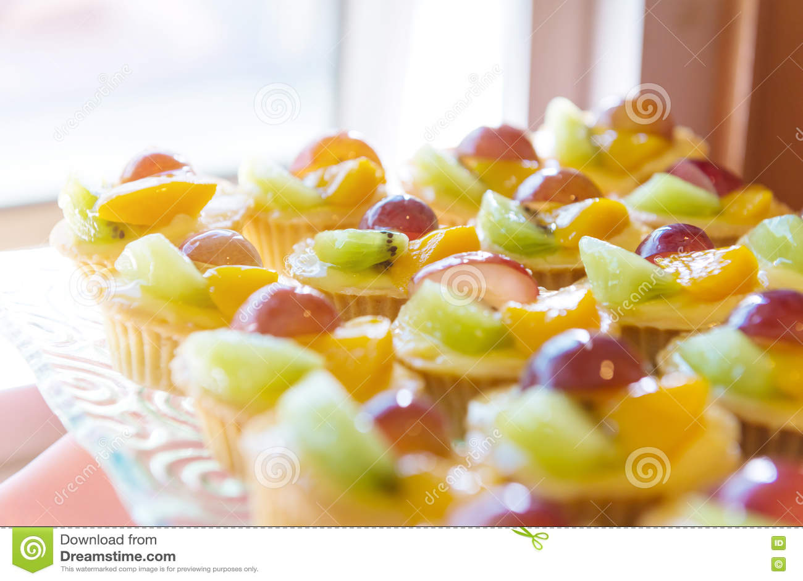 Pastel de nata misturado do fruto fresco