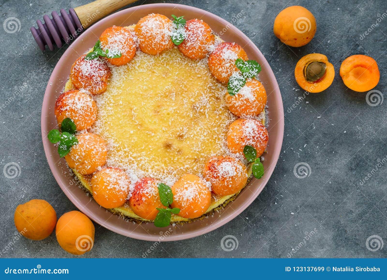 Pastel de queso del albaricoque