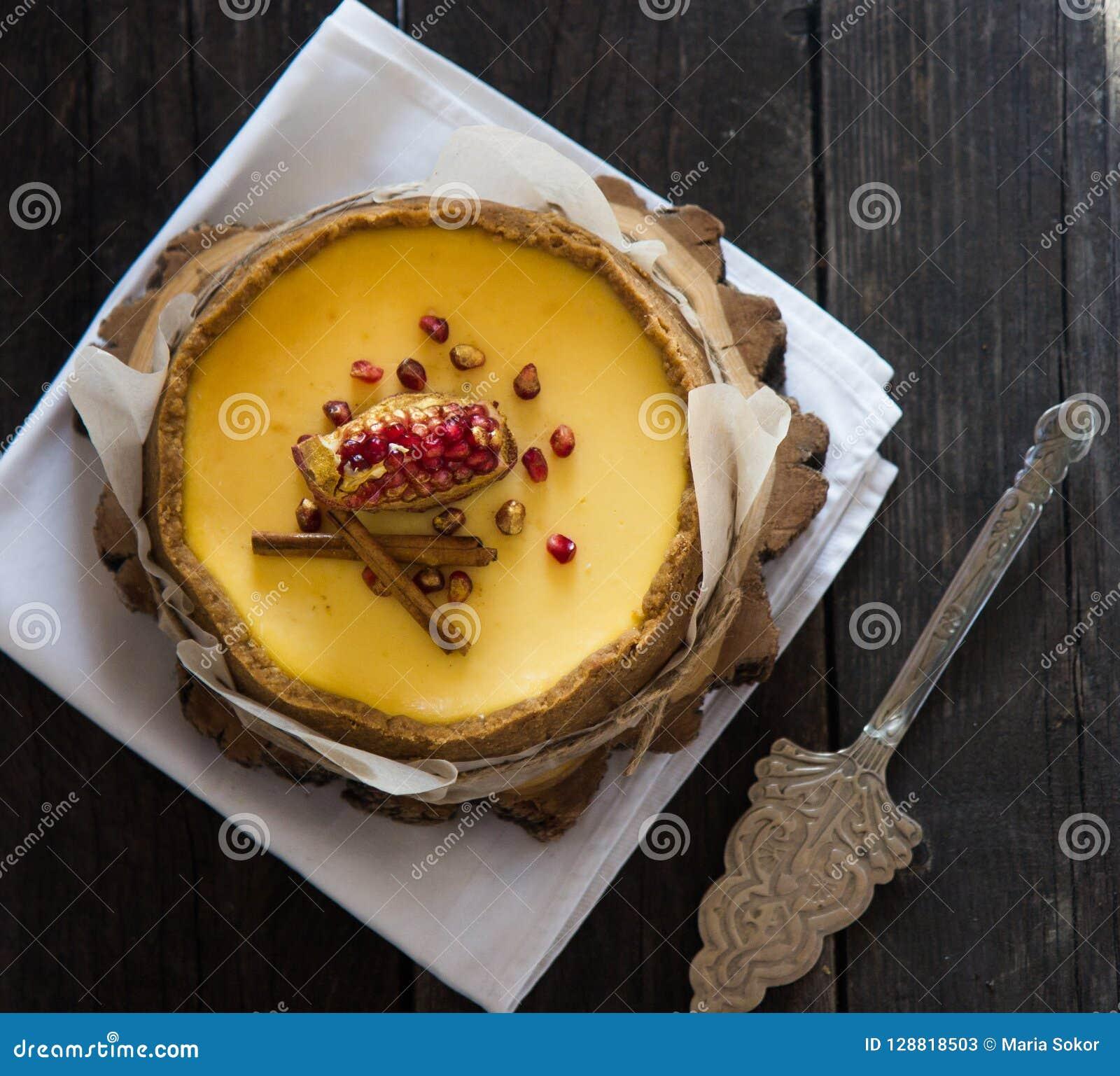 Pastel de queso de la naranja de la Navidad Receta tradicional de la torta del invierno del pastel de queso festivo de la Navidad