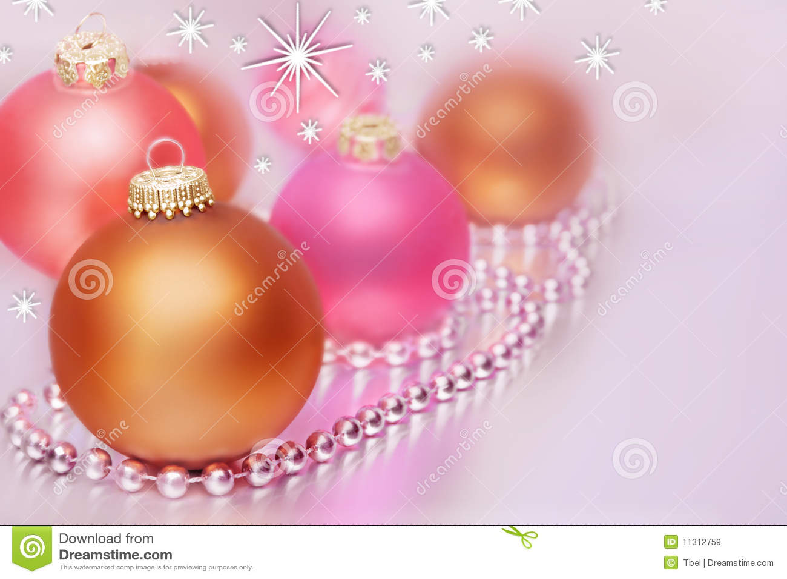 Pastellweihnachtskugeln