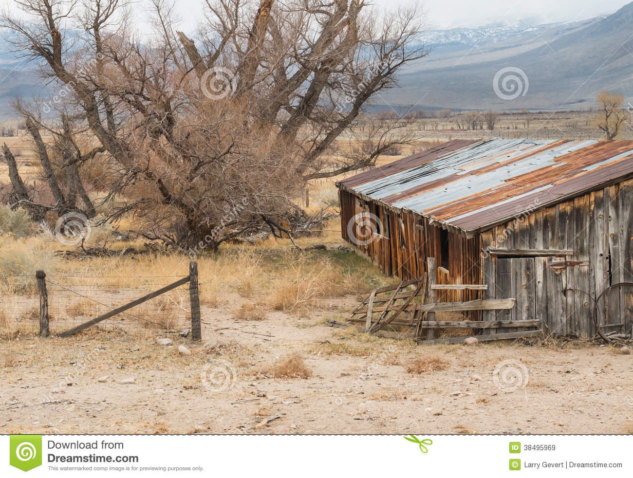 Pastoral abandoned ranch royalty free stock images image 38495969 - Rustic wood fences a pastoral atmosphere ...