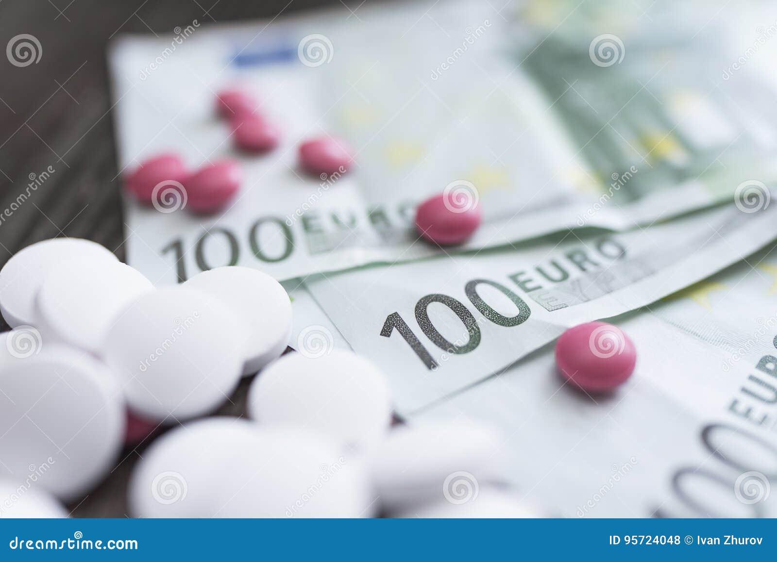 Pastylki kłamstwo na banknotach