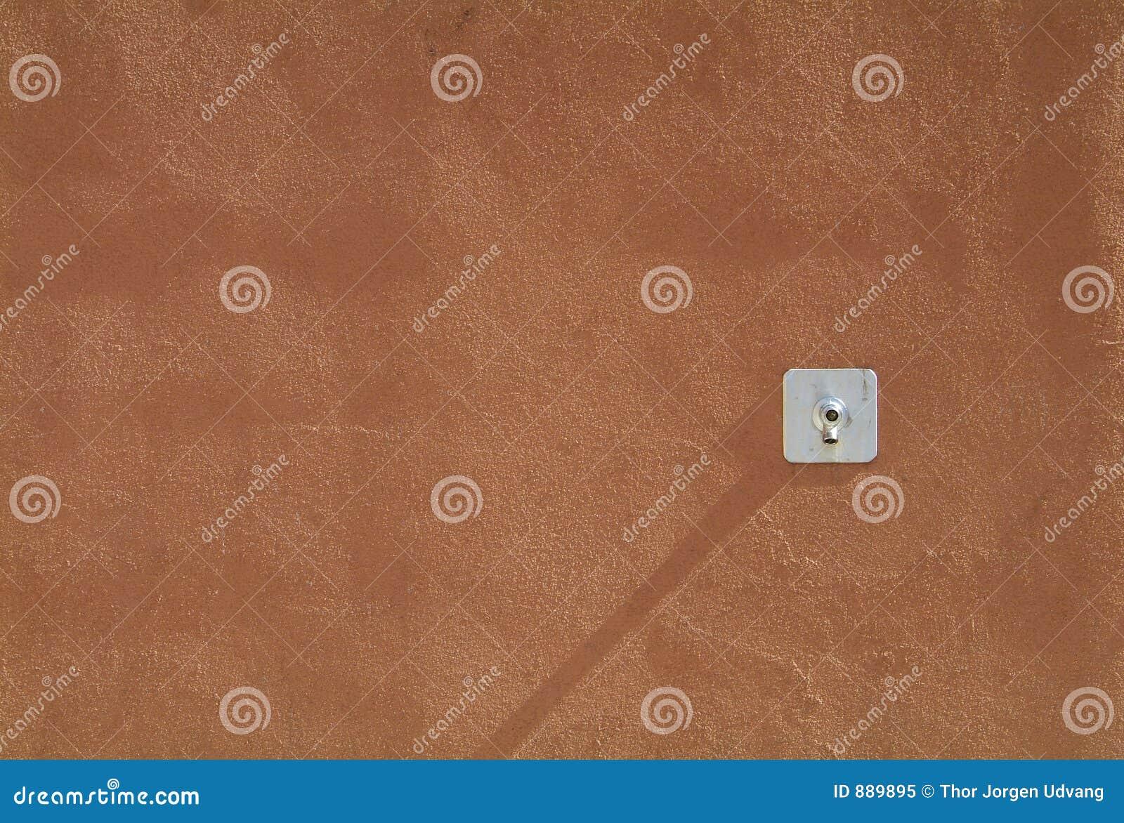 Pat konkretną ściany wody