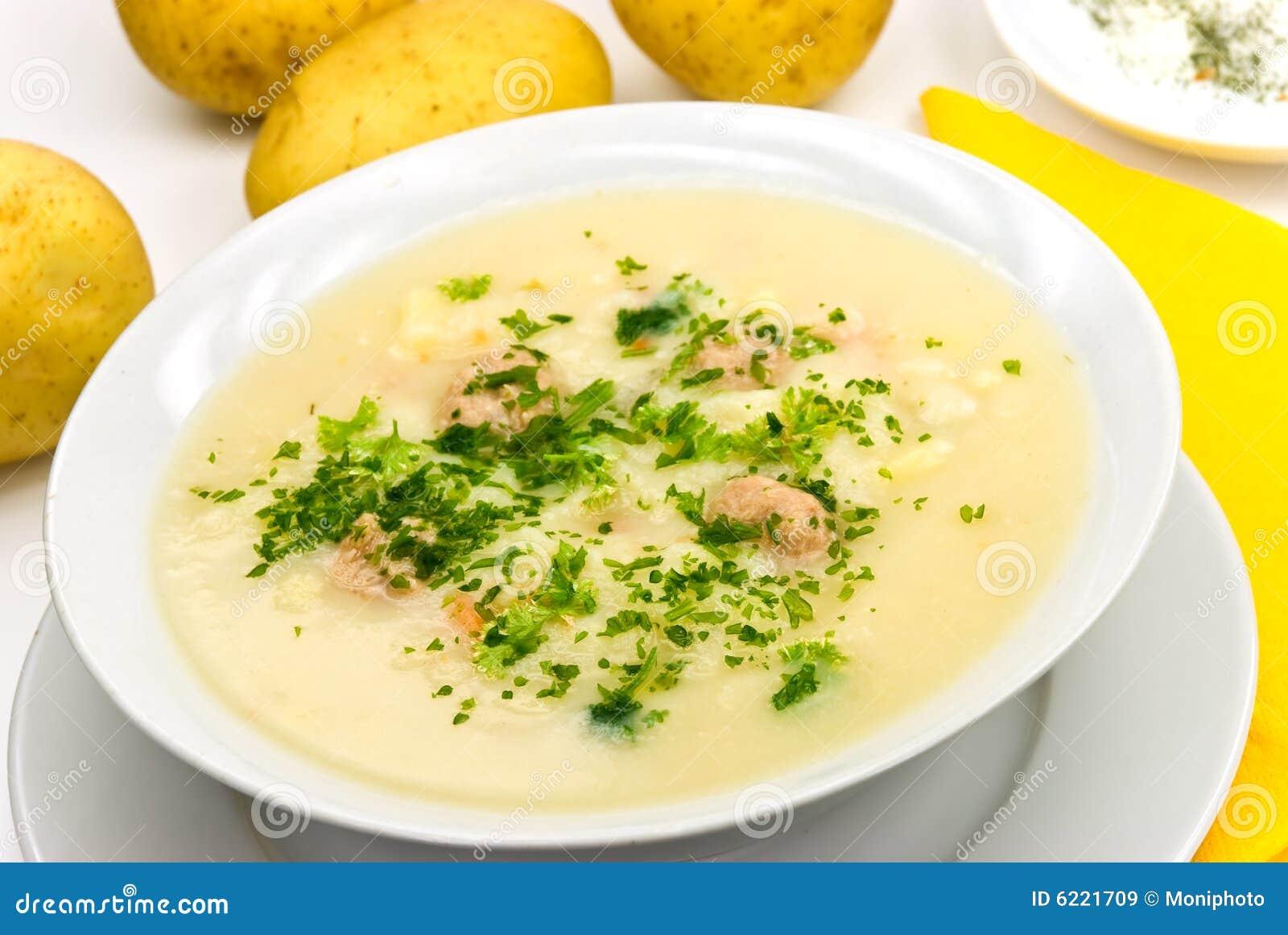 Patata Porner _patata poner crema sopa con tajar carne bola imagen de