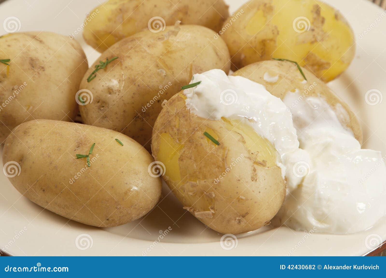 Patatas jovenes hervidas