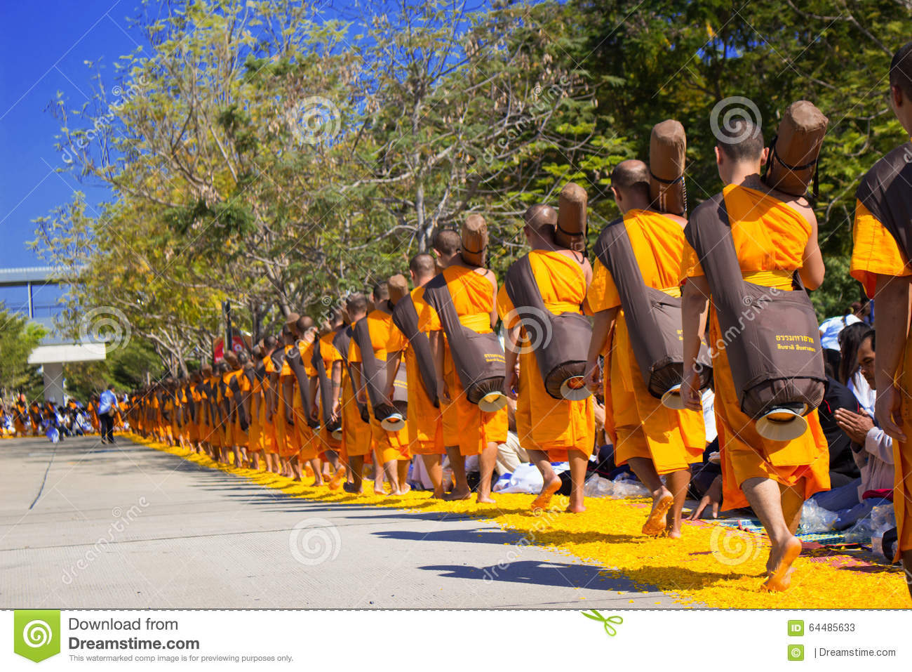 Pathum Thani Thailand January 2016 1 131 Monks From Wat Phra