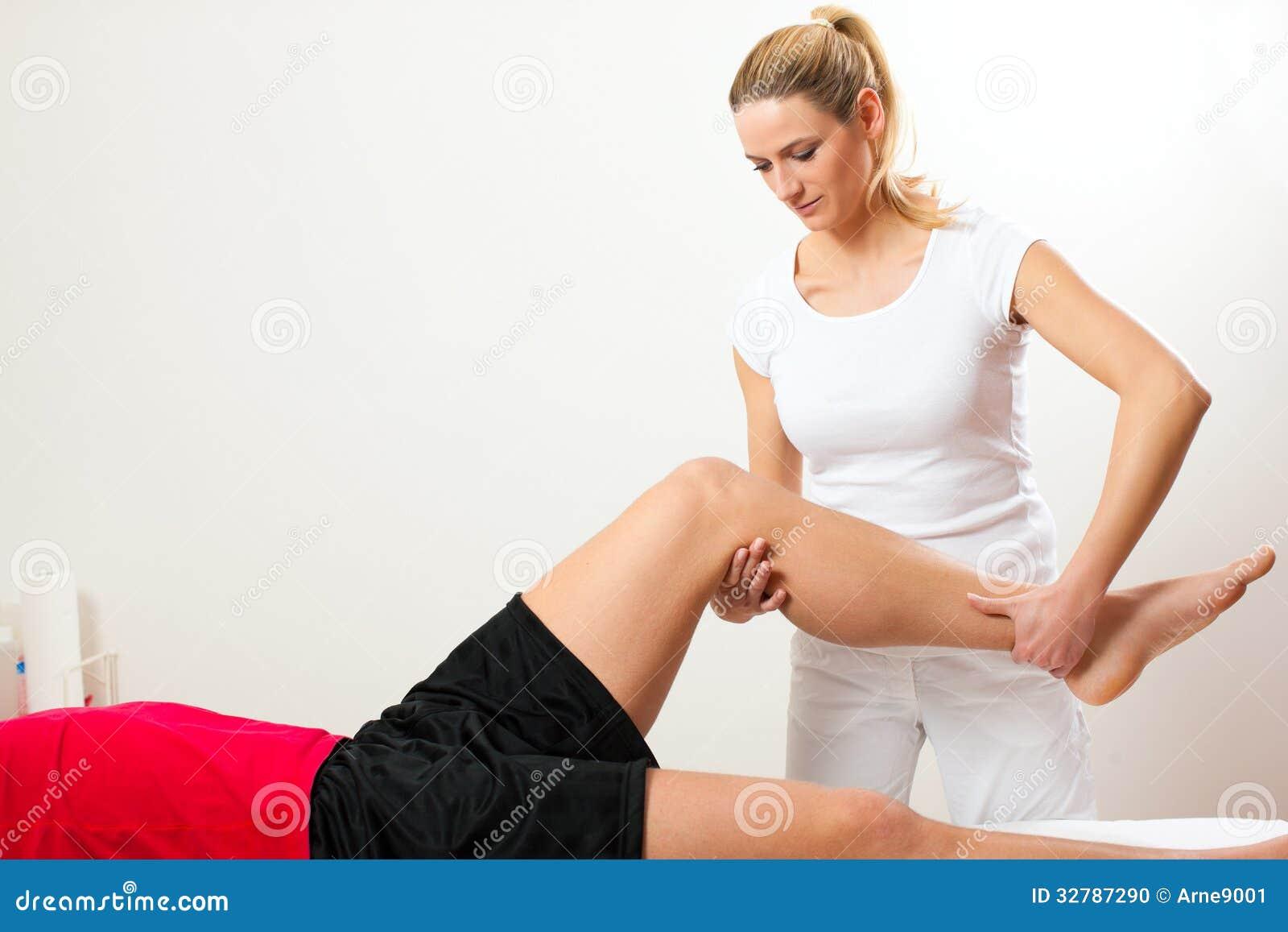 Patiënt bij de fysiotherapie
