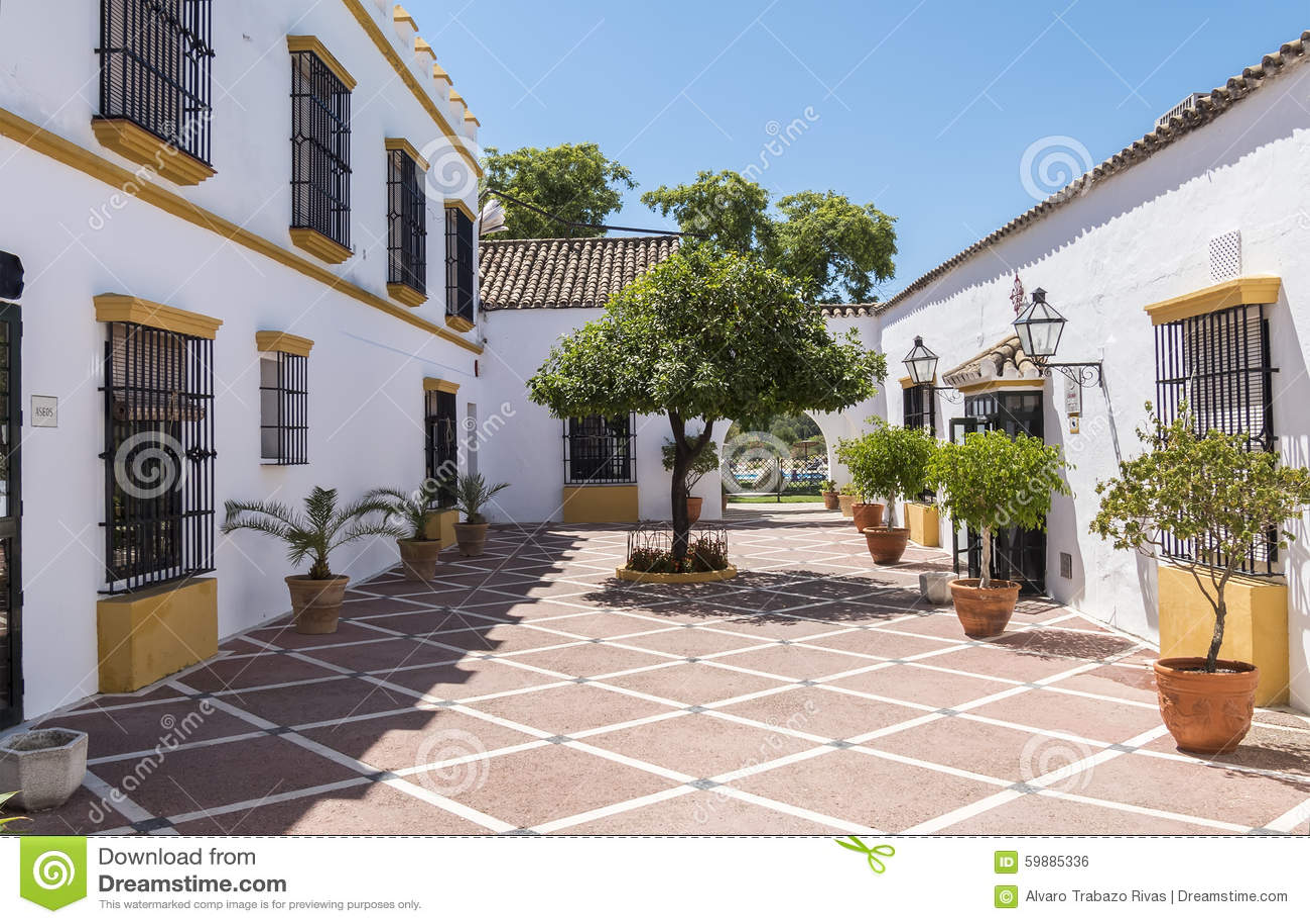 Azulejos patio andaluz finest azulejos patio andaluz with - Un patio andaluz ...