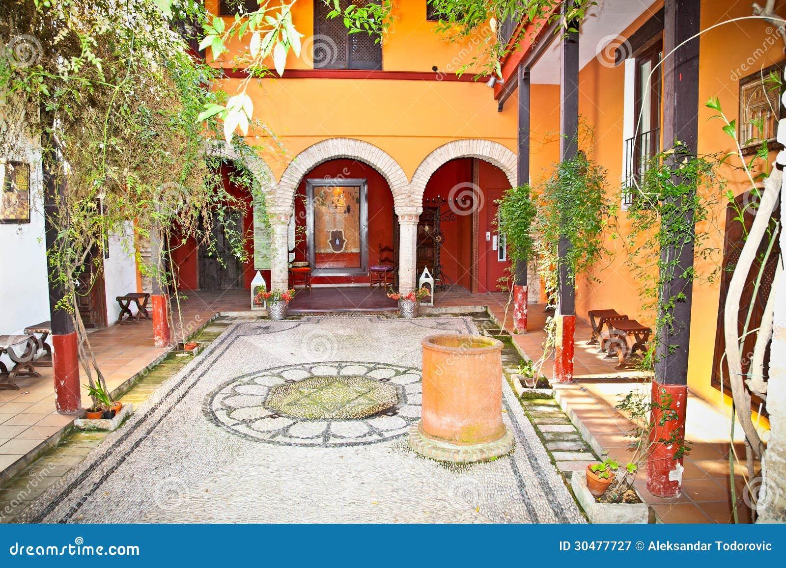 Patio andaluz t pico en sevilla espa a fotograf a de - Fotos patio andaluz ...