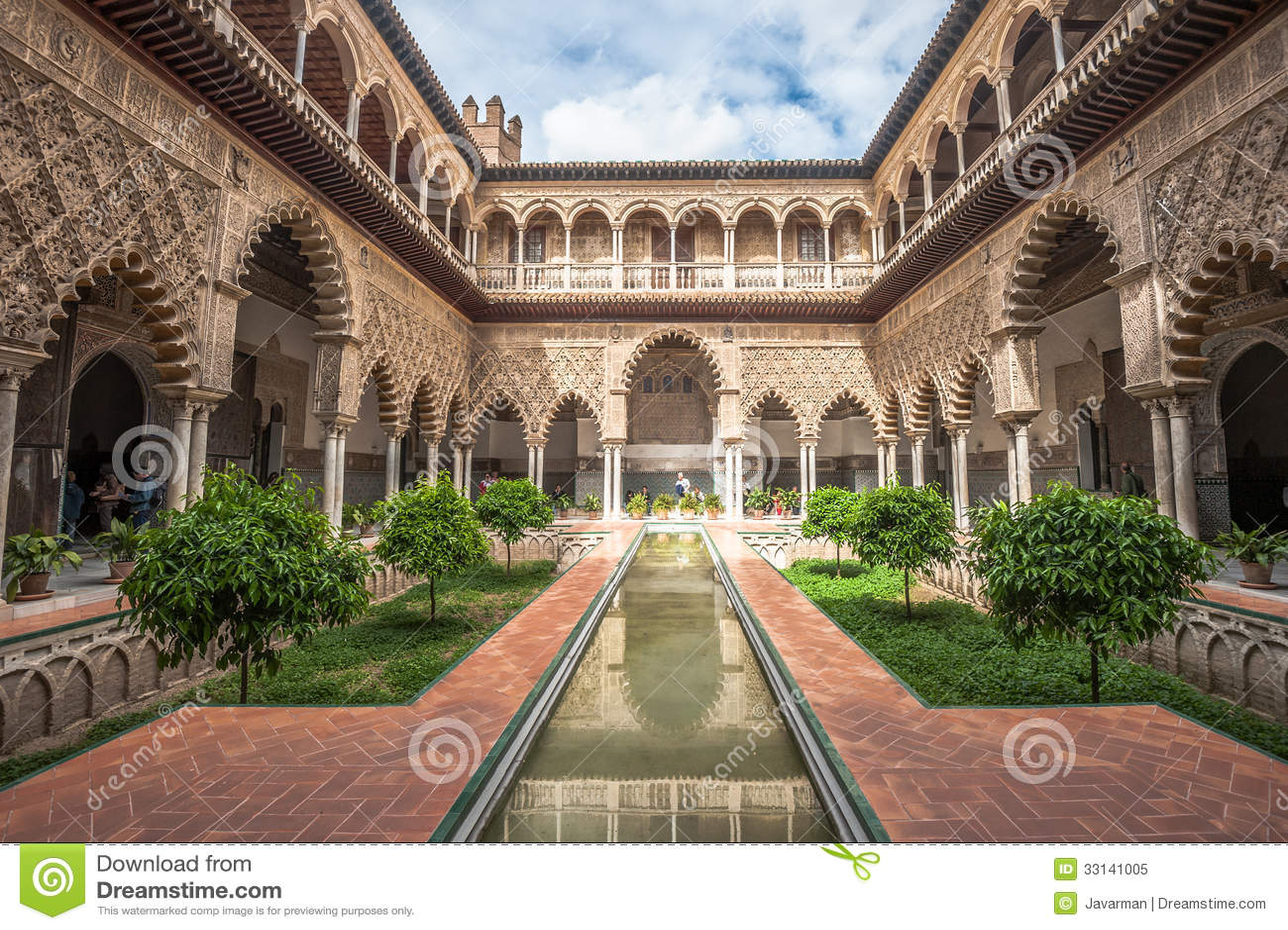 Patio en Alcazars reales de Sevilla, España