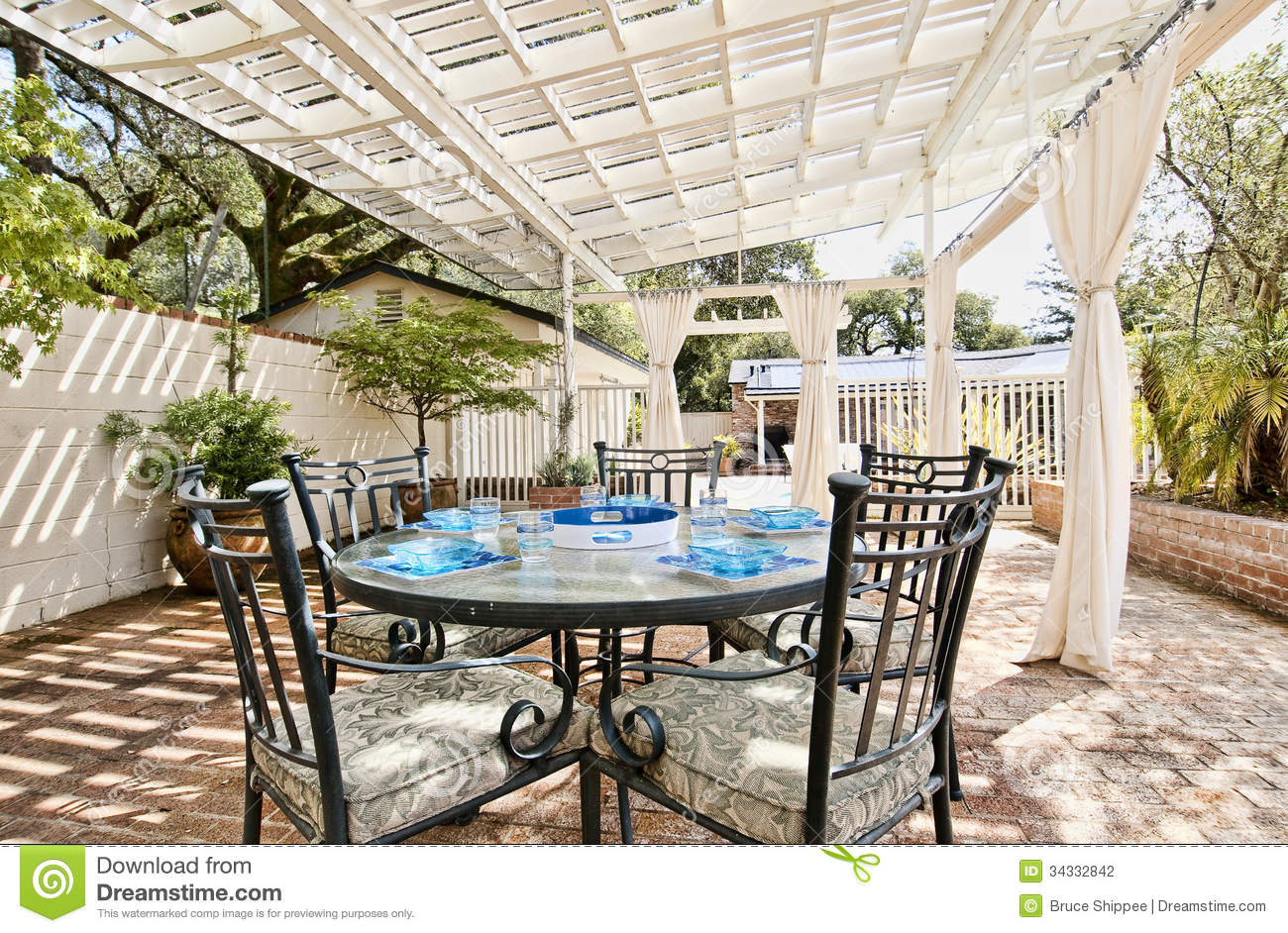 Patio ext rieur photographie stock image 34332842 - Photo patio exterieur ...