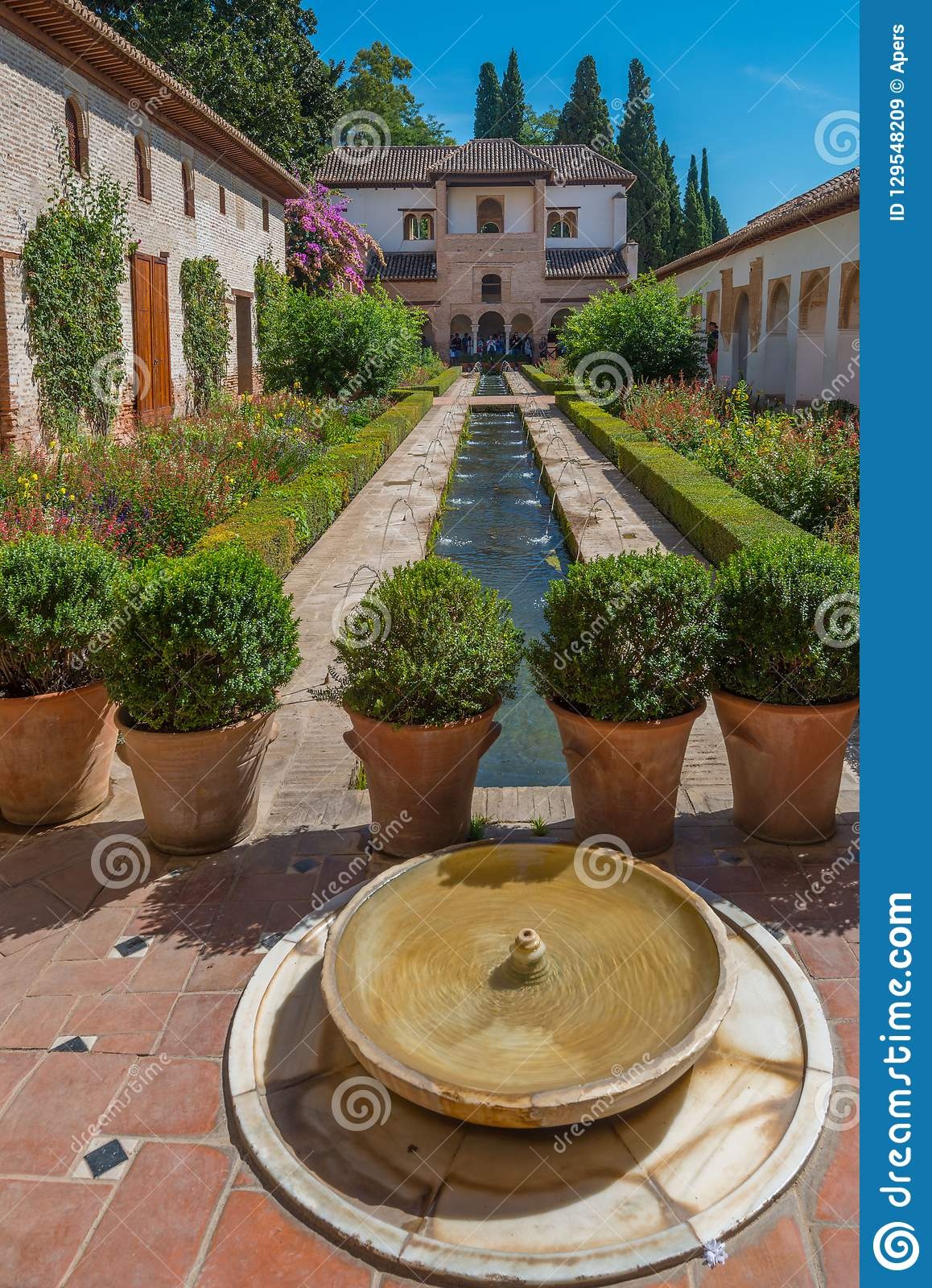 Patio of the irrigation ditch of Generalife, Alhambra