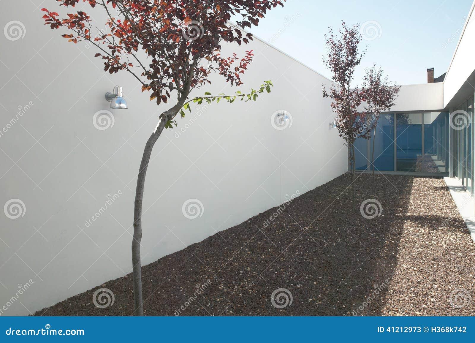 Maison Moderne, Patio Photo libre de droits - Image: 31538795