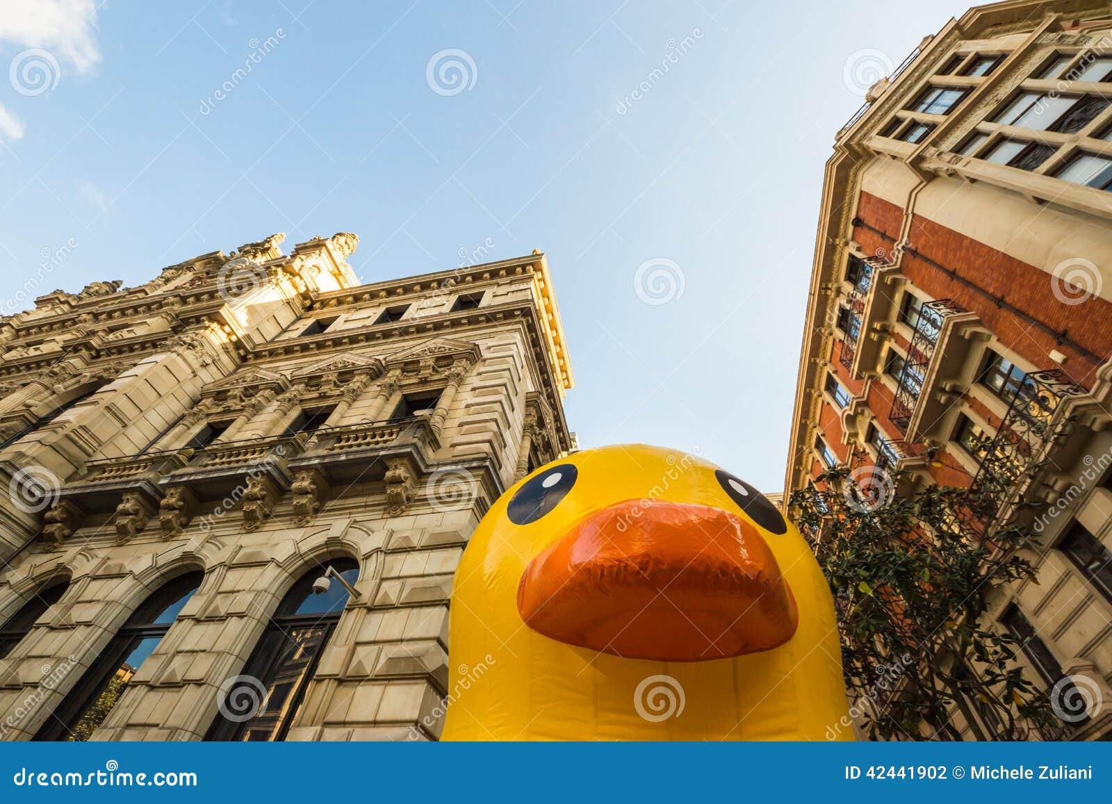 Pato de goma gigante en Bilbao