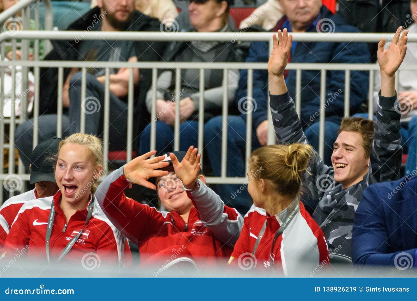 Patricija SPaka, Alona Ostapenko y Daniela Vismane, durante juego redondo del grupo II del mundo de FEDCUP BNP Paribas el primer