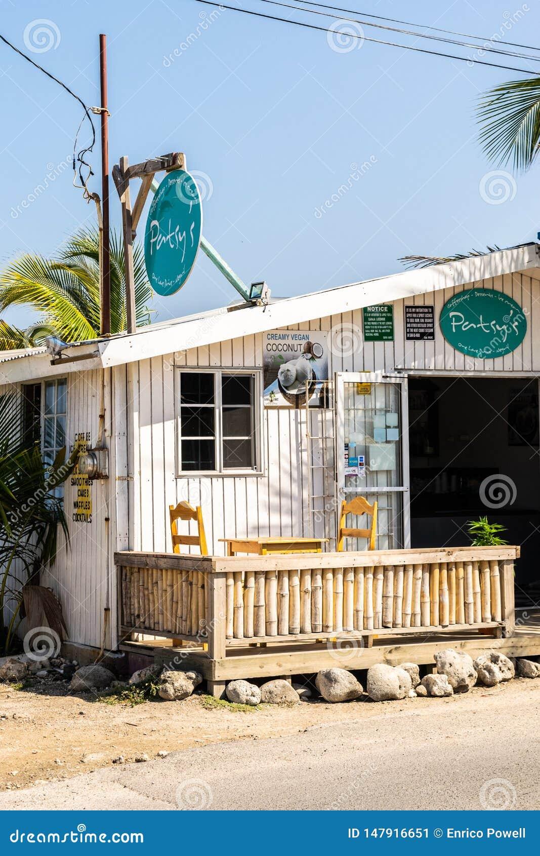 Patsys CoffeeShop på klipporna av Negril i västra slut, Negril, Westmoreland