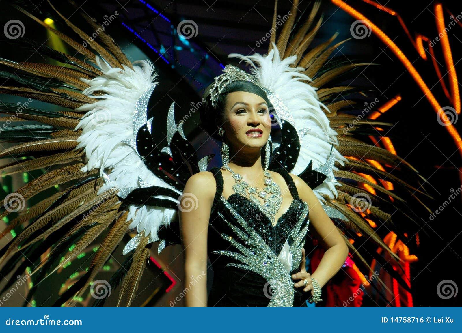 Ladyboy show pattaya thailand-8340