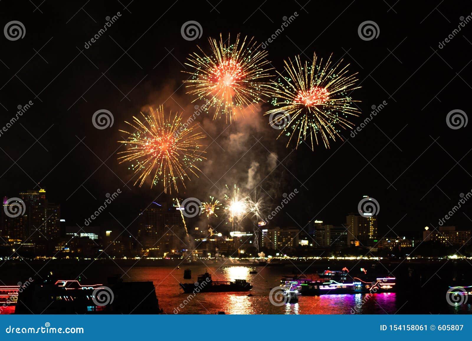 Pattaya Thailand Internationale Feuerwerke zeigen Festival Sch?ne Feuerwerke