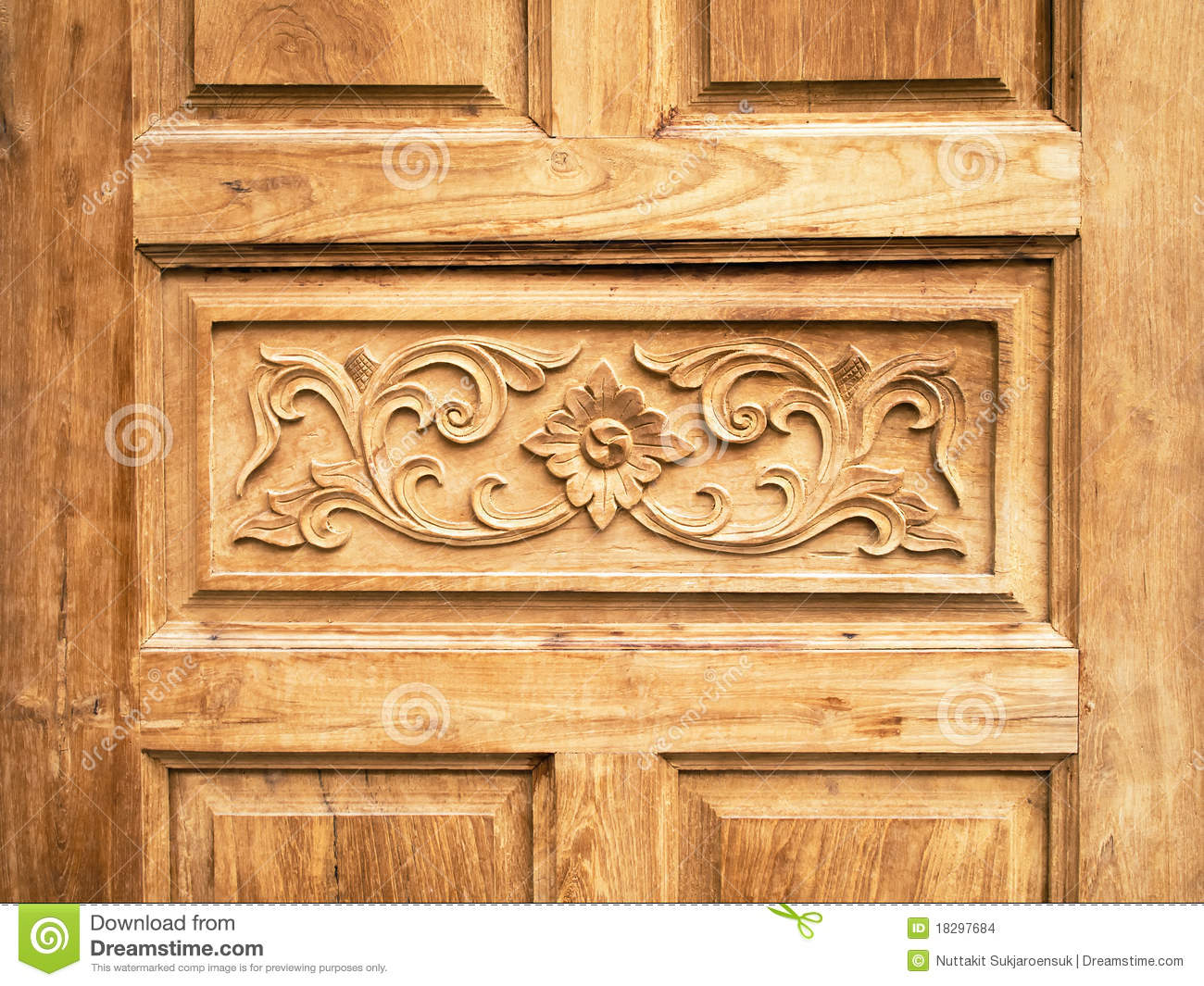 Pattern Carved Door Stock Images - Image: 18297684
