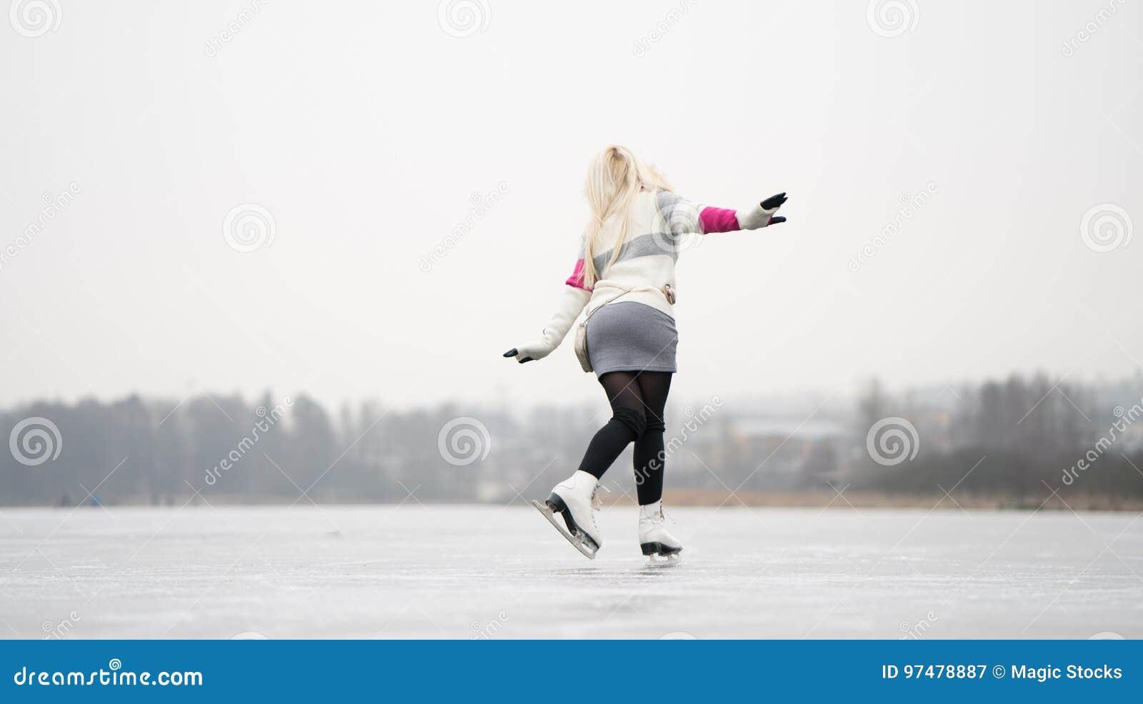 Pattinare di ghiaccio