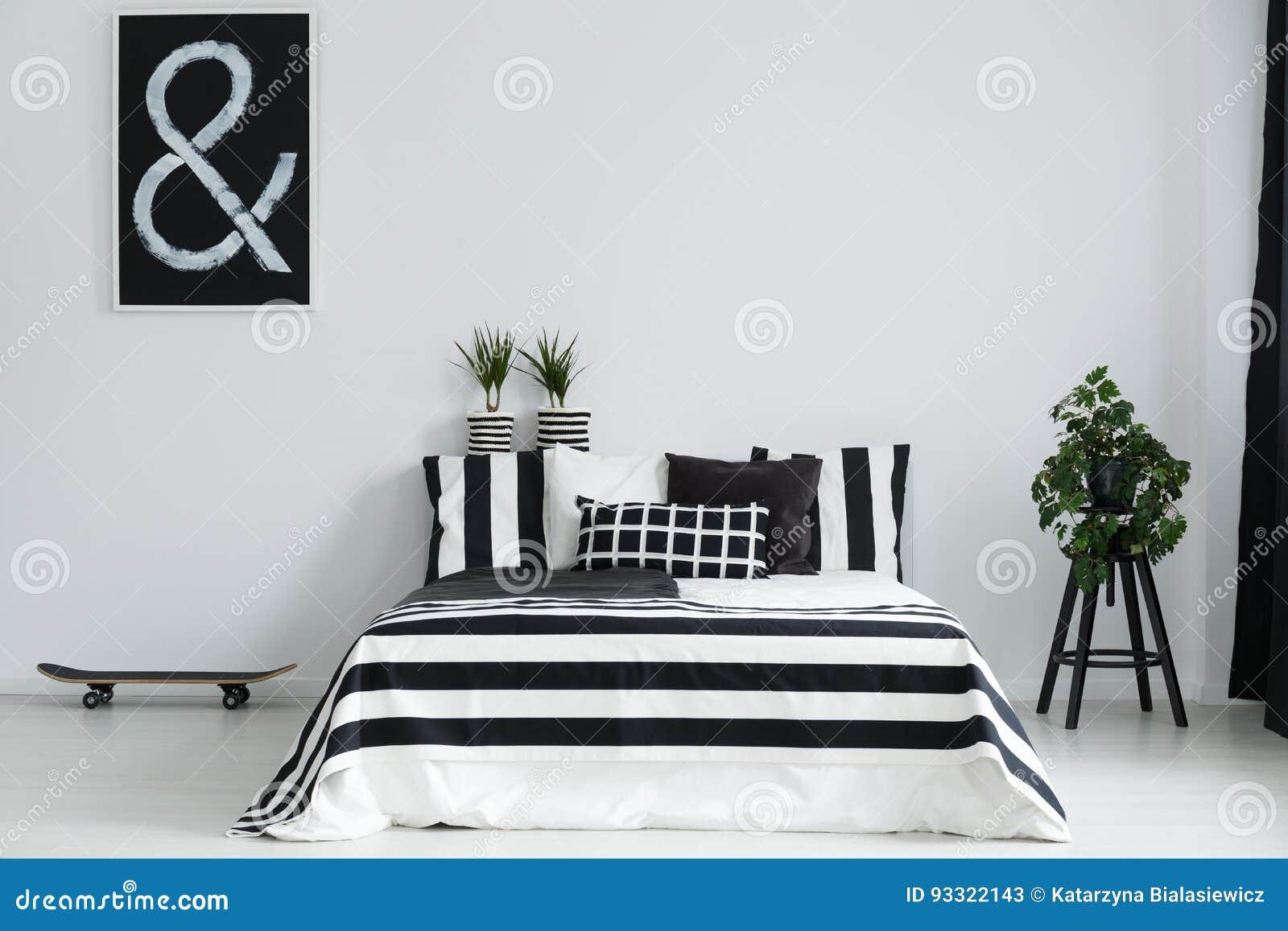 Pattino e piante in camera da letto immagine stock immagine di