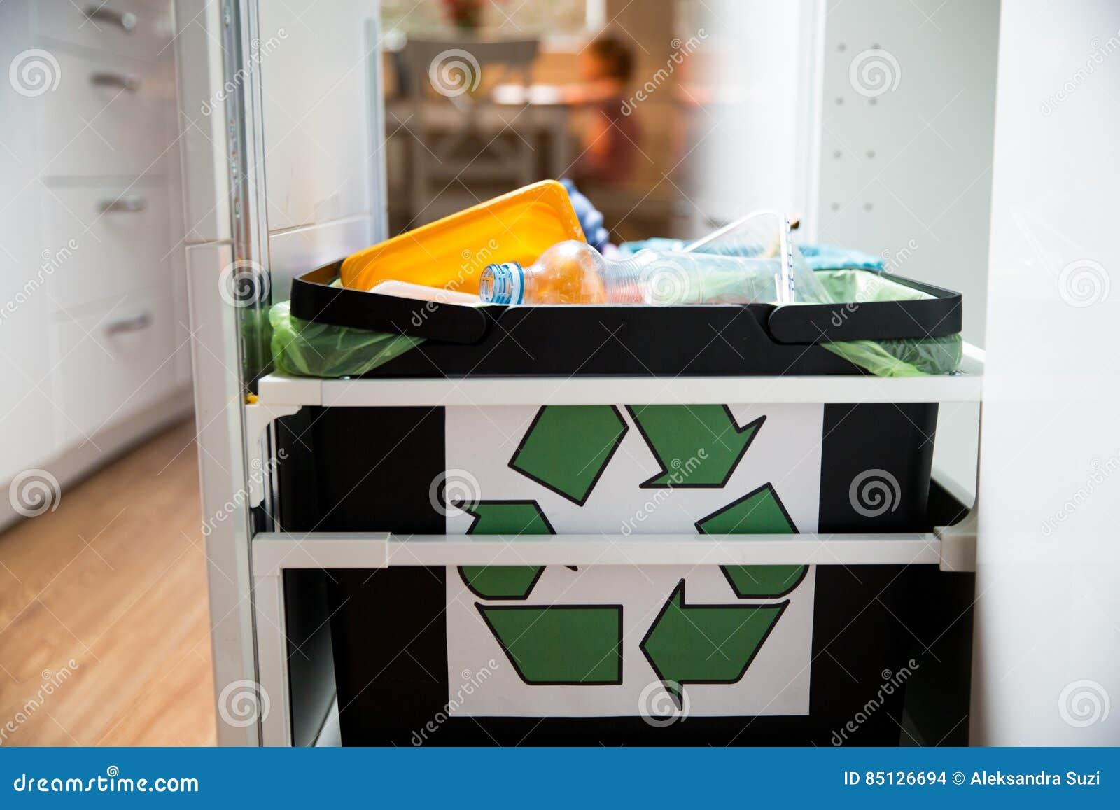 Sedie fatte con bidoni bidone della spazzatura acquista bidoni