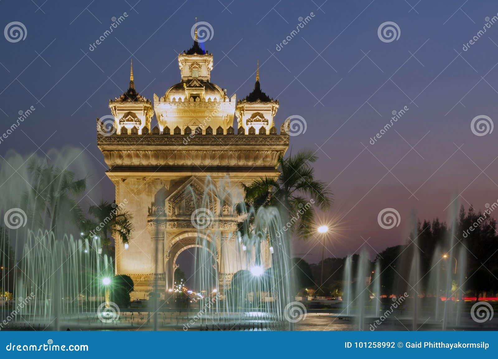 Patuxay或Patuxai胜利纪念碑,万象,老挝首都建筑地标