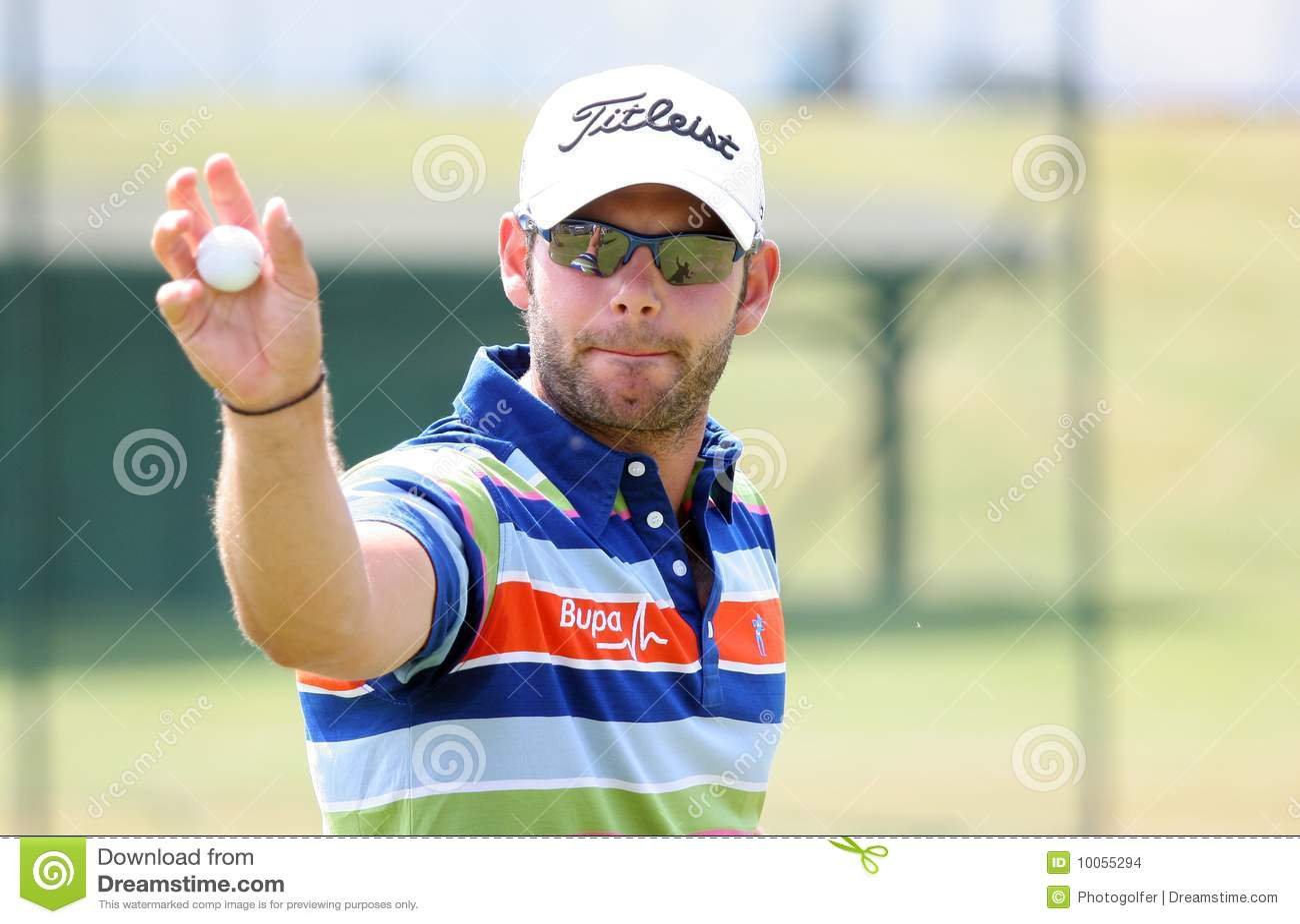 Paul que acautela-se (inglês) no francês do golfe abre 2009