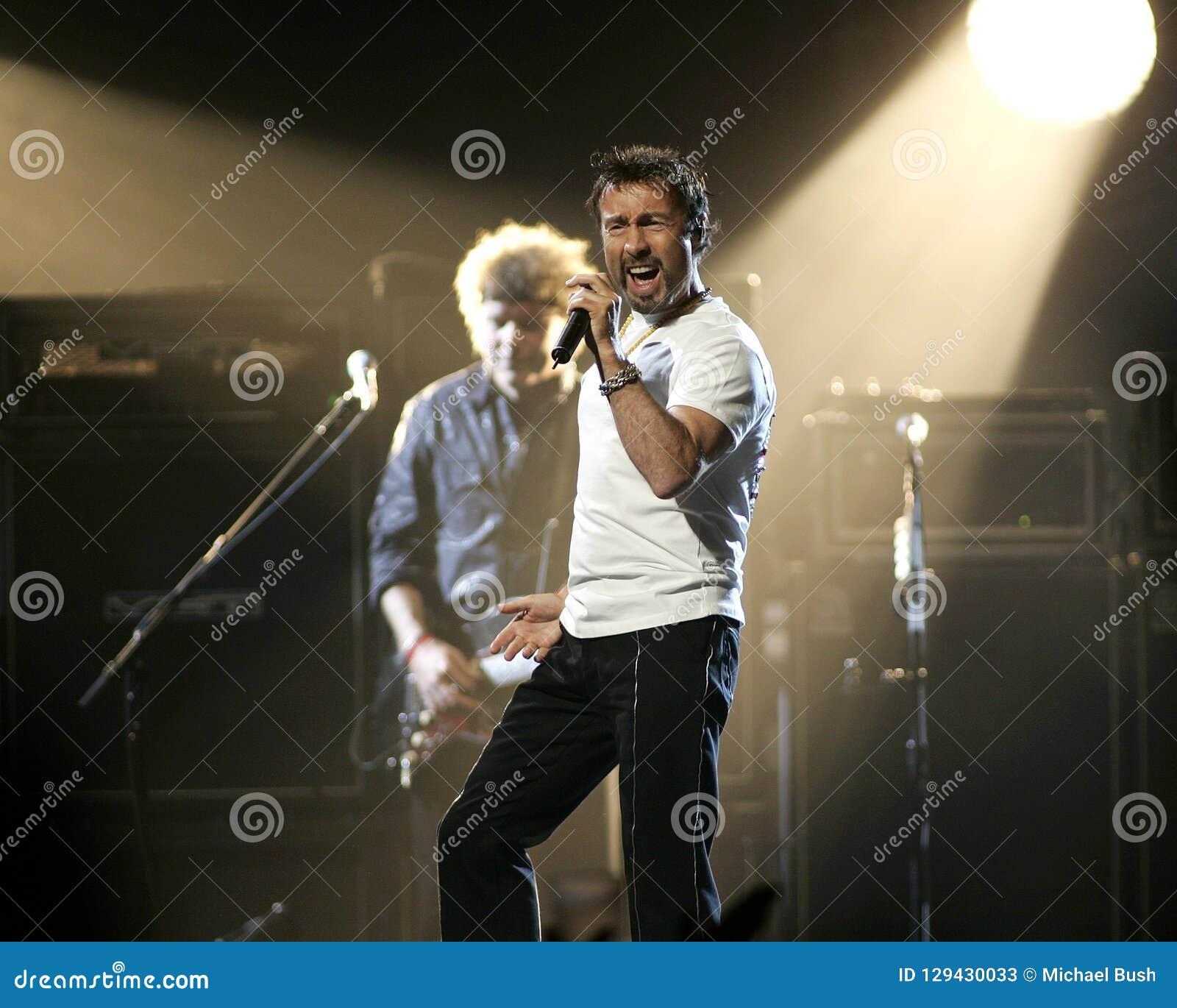 Paul Rodgers con la reina se realiza en concierto
