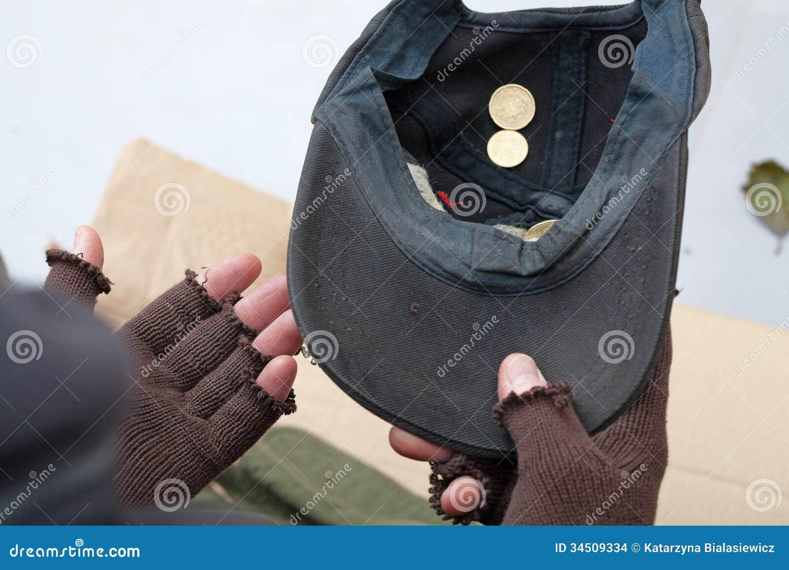 Pauvre homme demandant l aumône