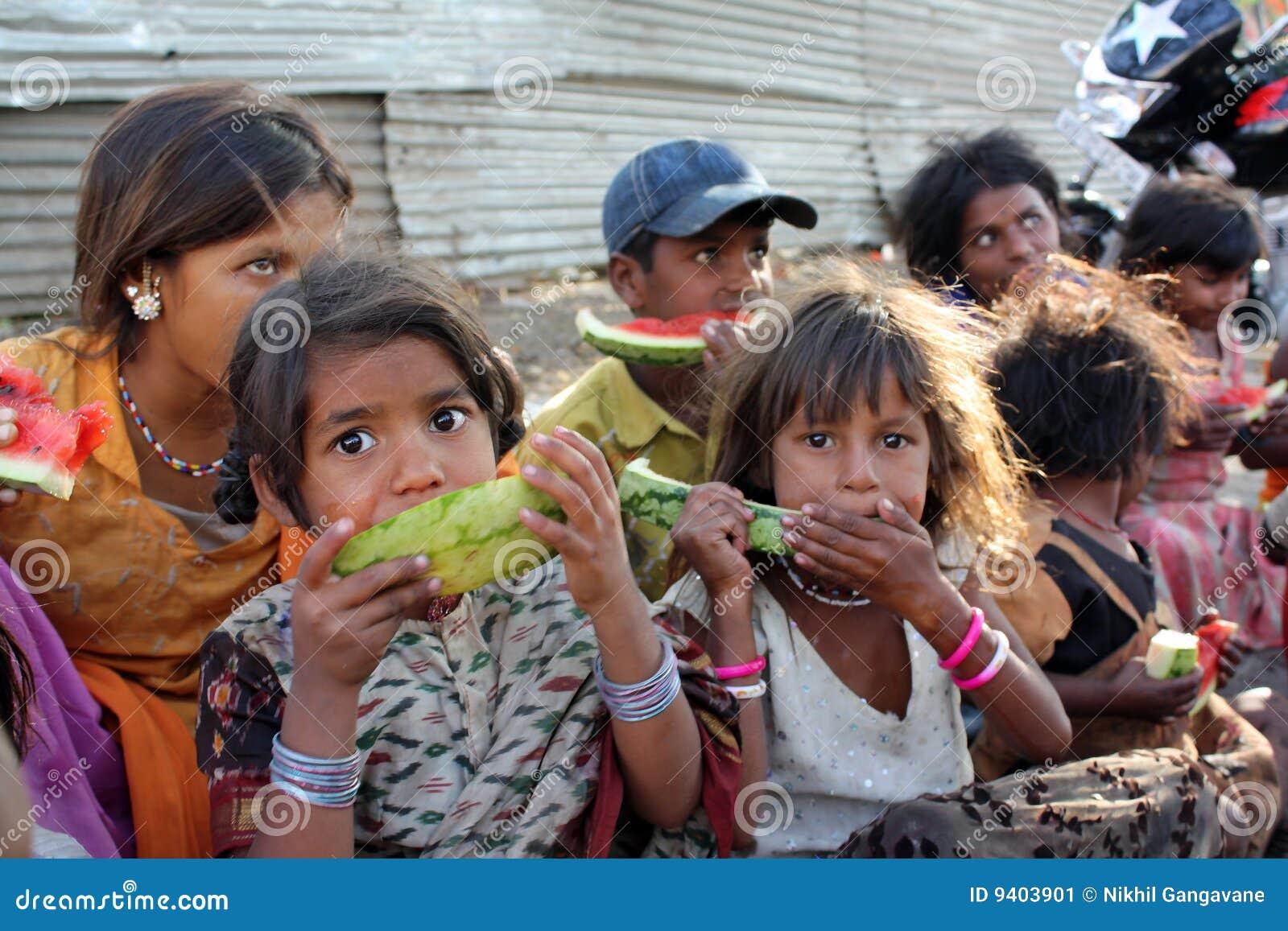Pauvres affamés d enfants