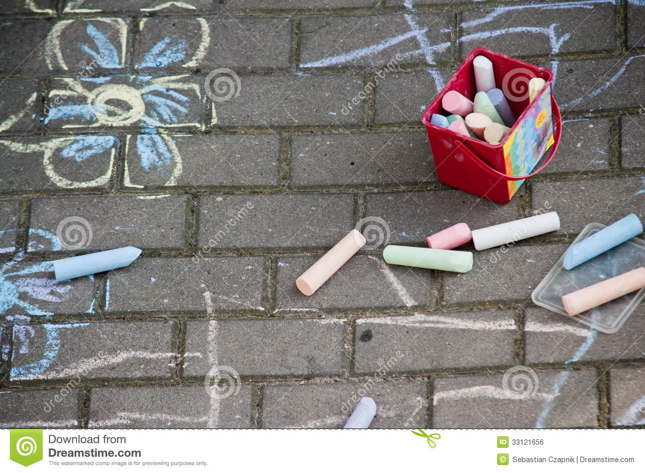 Pavement Chalk Drawings Stock Photo Image Of Flowering 33121656