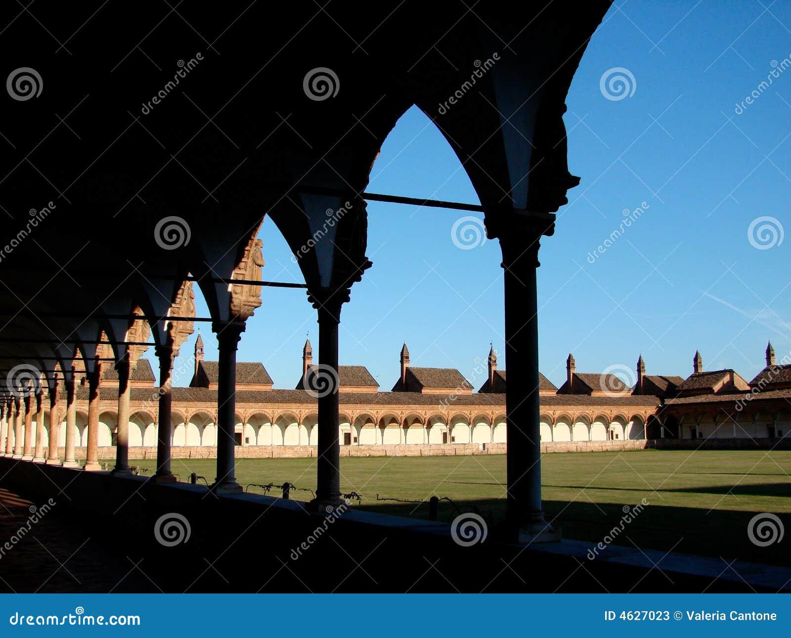 Pavia chartreuse, claustro grande