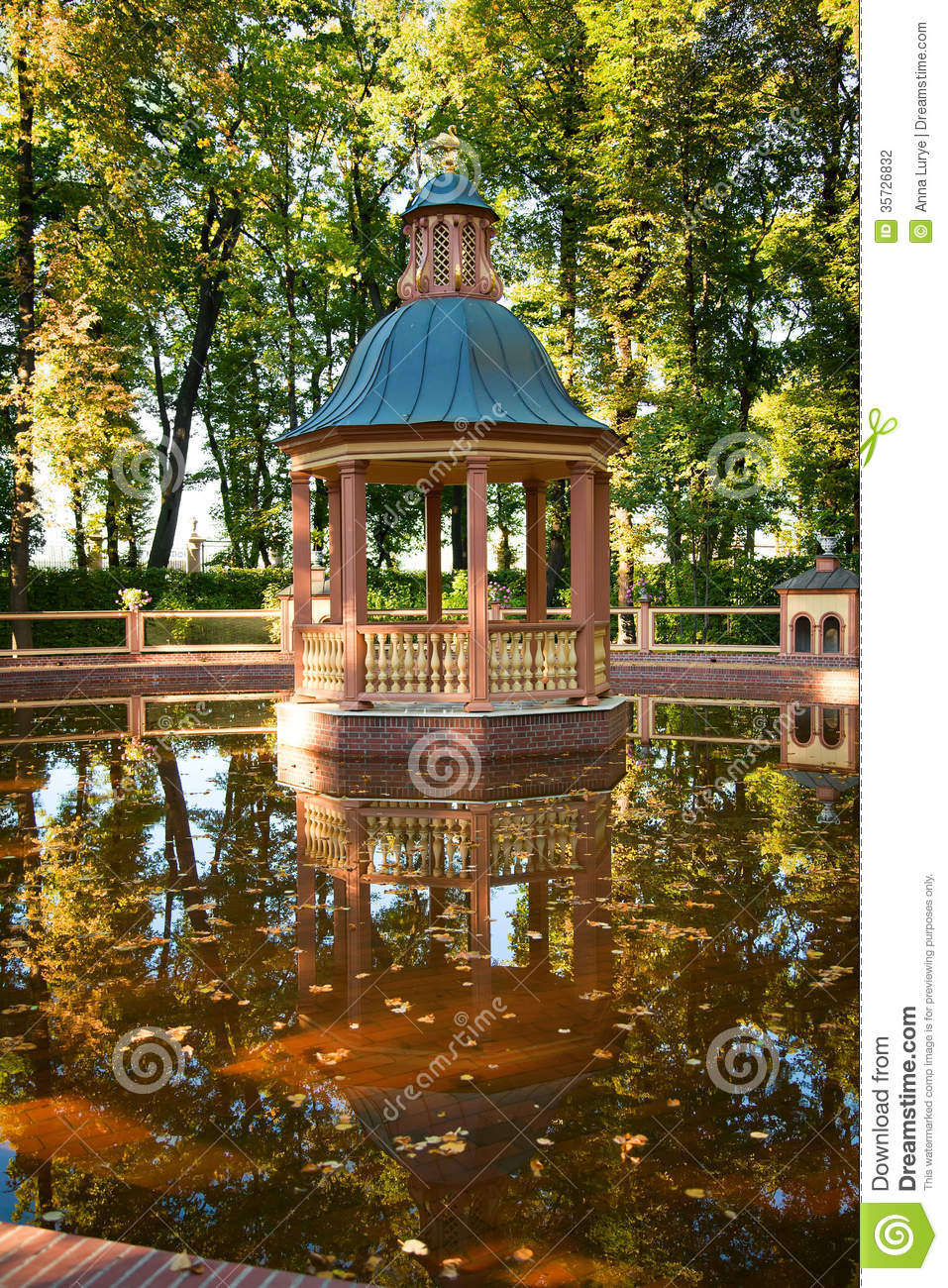 Pavilion In Summer Garden Of St Petersburg Stock Photography Image 35726832