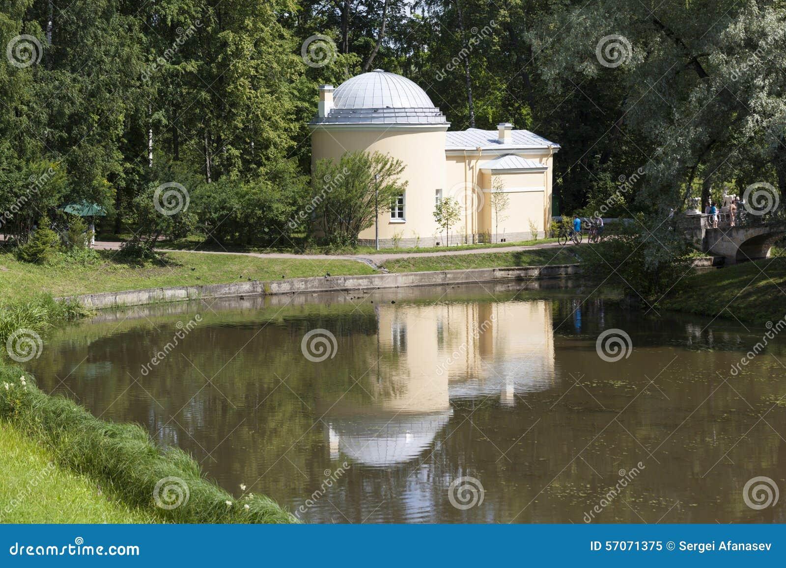 Paviljoen - koud bad Pavlovsk Heilige Petersburg