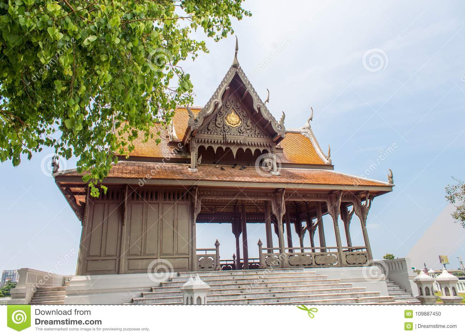Pavillion Santi Chai Prakan в парке Santi Chai Prakan в Бангкоке, Таиланде