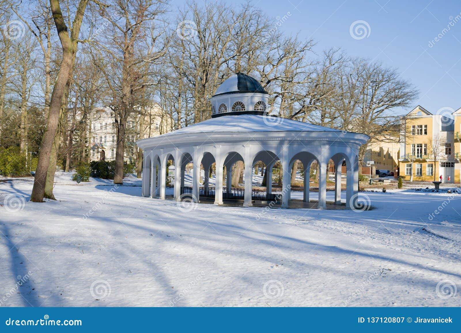 Pavillon de ressort d eau minérale - Frantiskovy Lazne - Franzensbad - République Tchèque