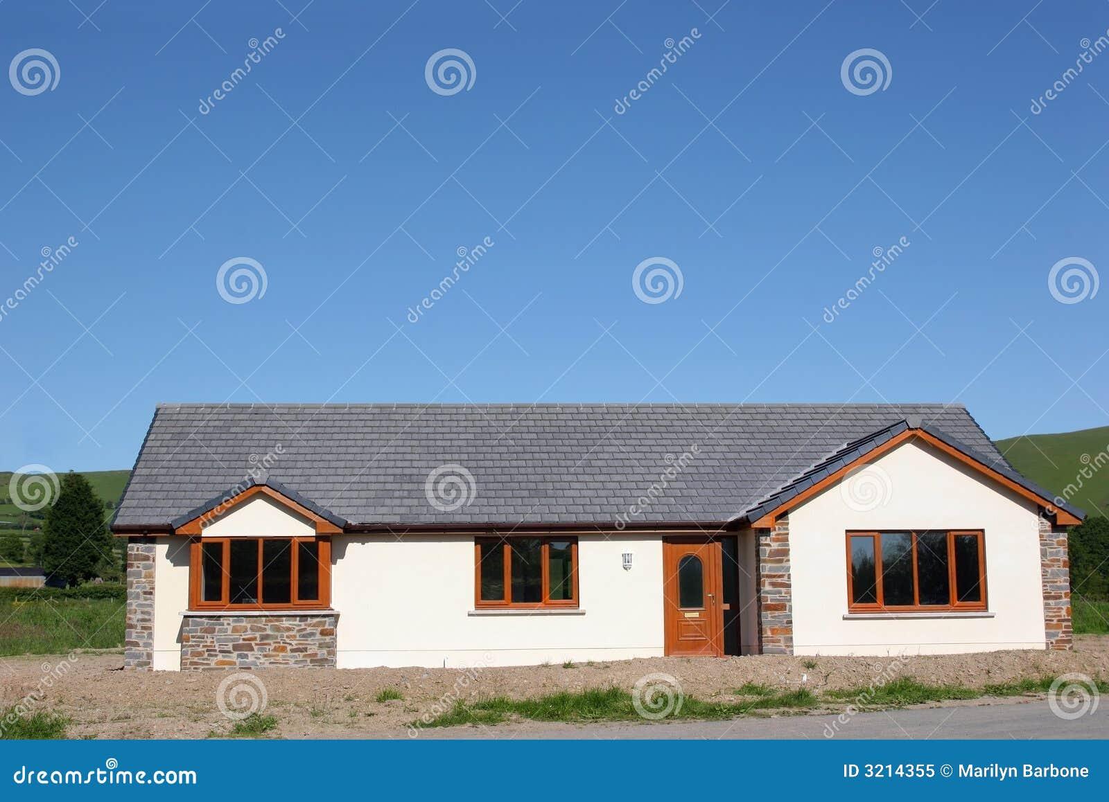 Pavillon moderne photo libre de droits image 3214355 for Pavillon moderne construction